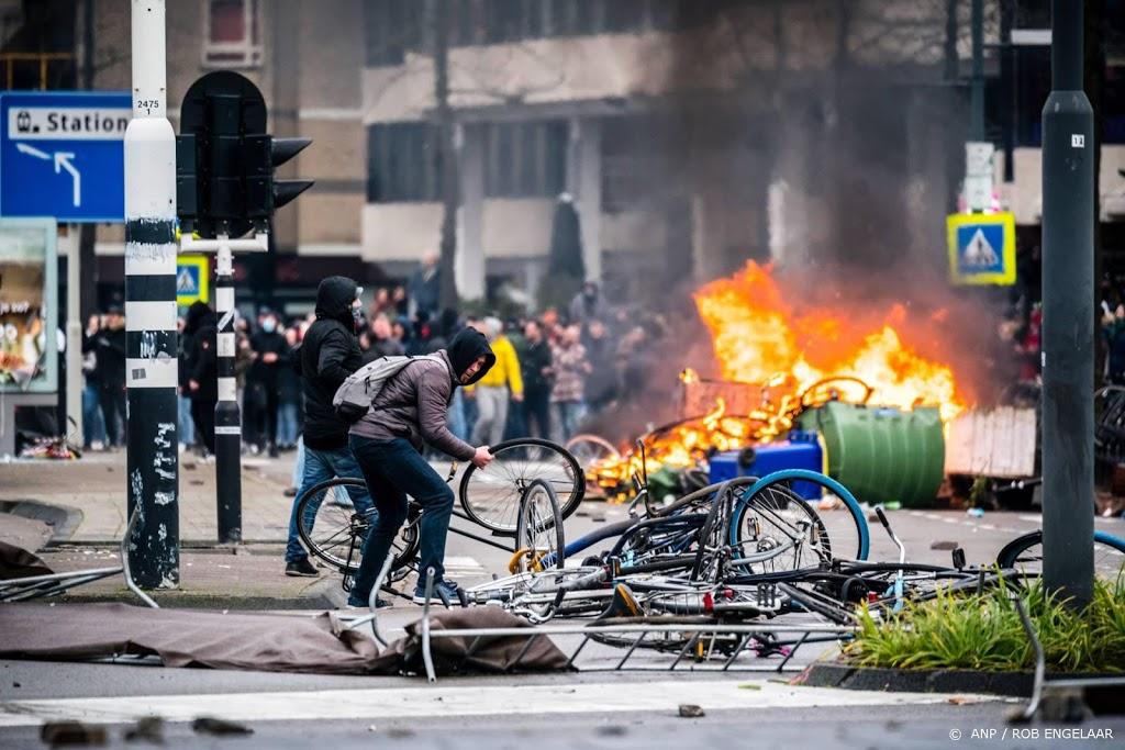Politie dreigt tonen gezichten jonge relschoppers Eindhoven