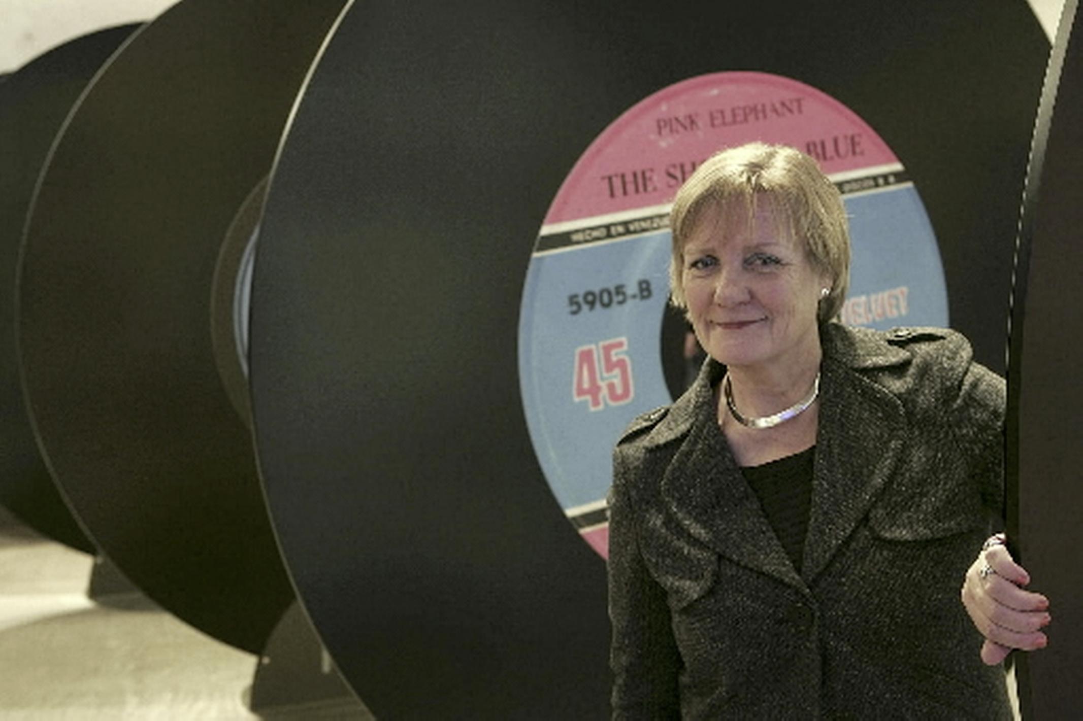 Oud-directeur Alkmaars Stedelijk Sandra de Vries (74) overleden. 'Bouwer' leidde museum van pijpenla naar cultuurplein