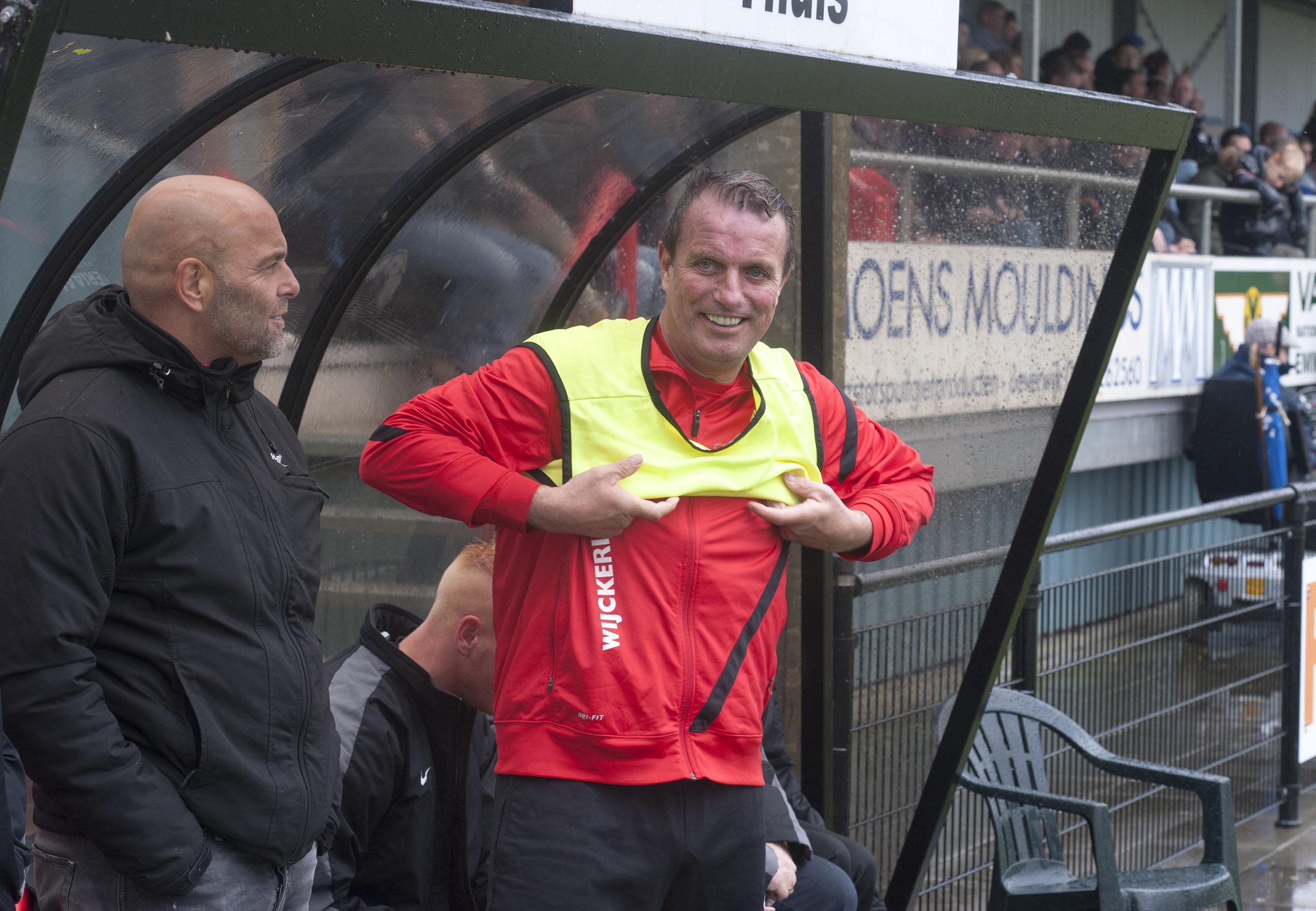 Voetballers van De Kennemers in Beverwijk zijn hun 'loopie' naar de voetbalclub kwijt, verzucht Ramon van der Vaart