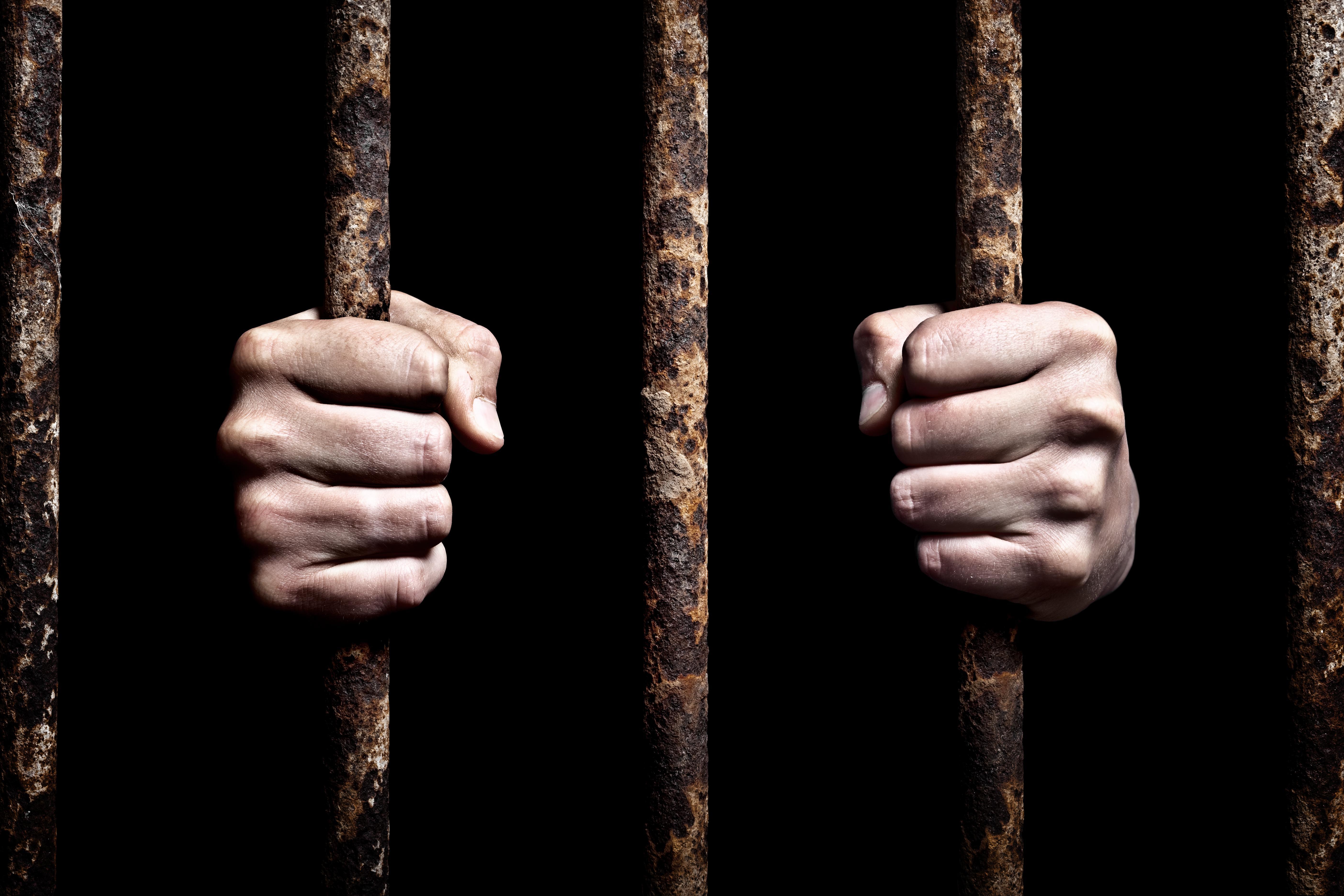 Na de doodstraf moet ook levenslang afgeschaft worden, een beschaafde samenleving doet niet aan marteling | commentaar