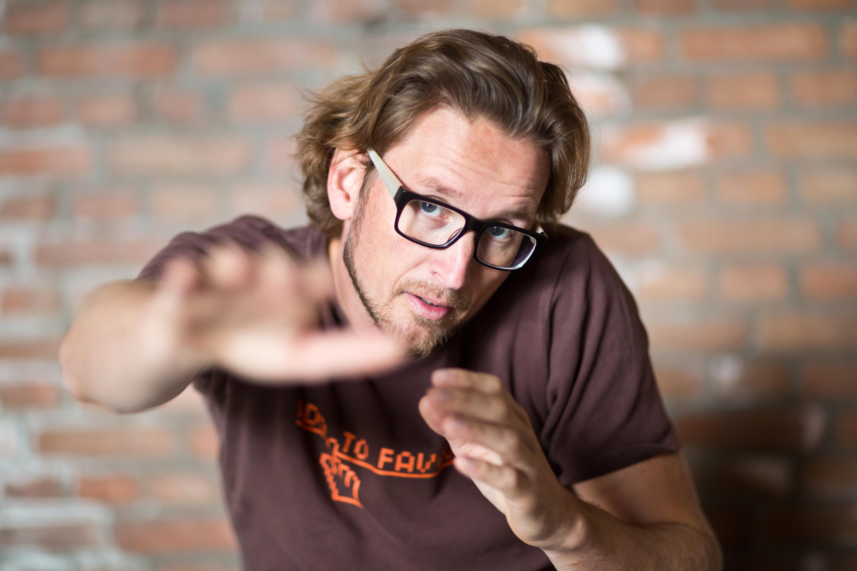 Cabaretier Pieter Jouke:'De manier waarop ik denk is onaangepast en dat werkte niet'