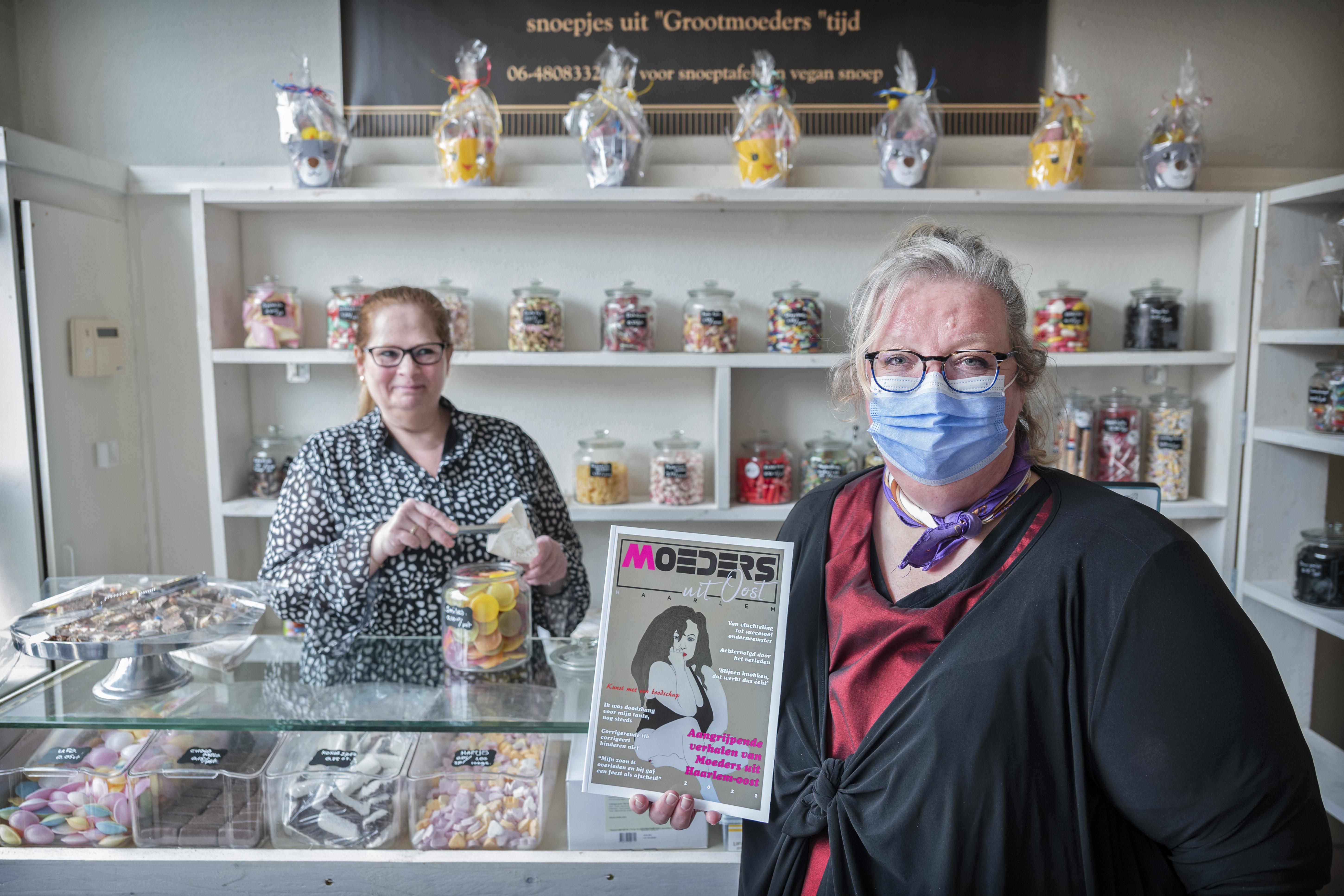Glossy vol verhalen van moeders uit Haarlem-Oost: 'Vrouwen moeten weten dat ze gehoord worden'