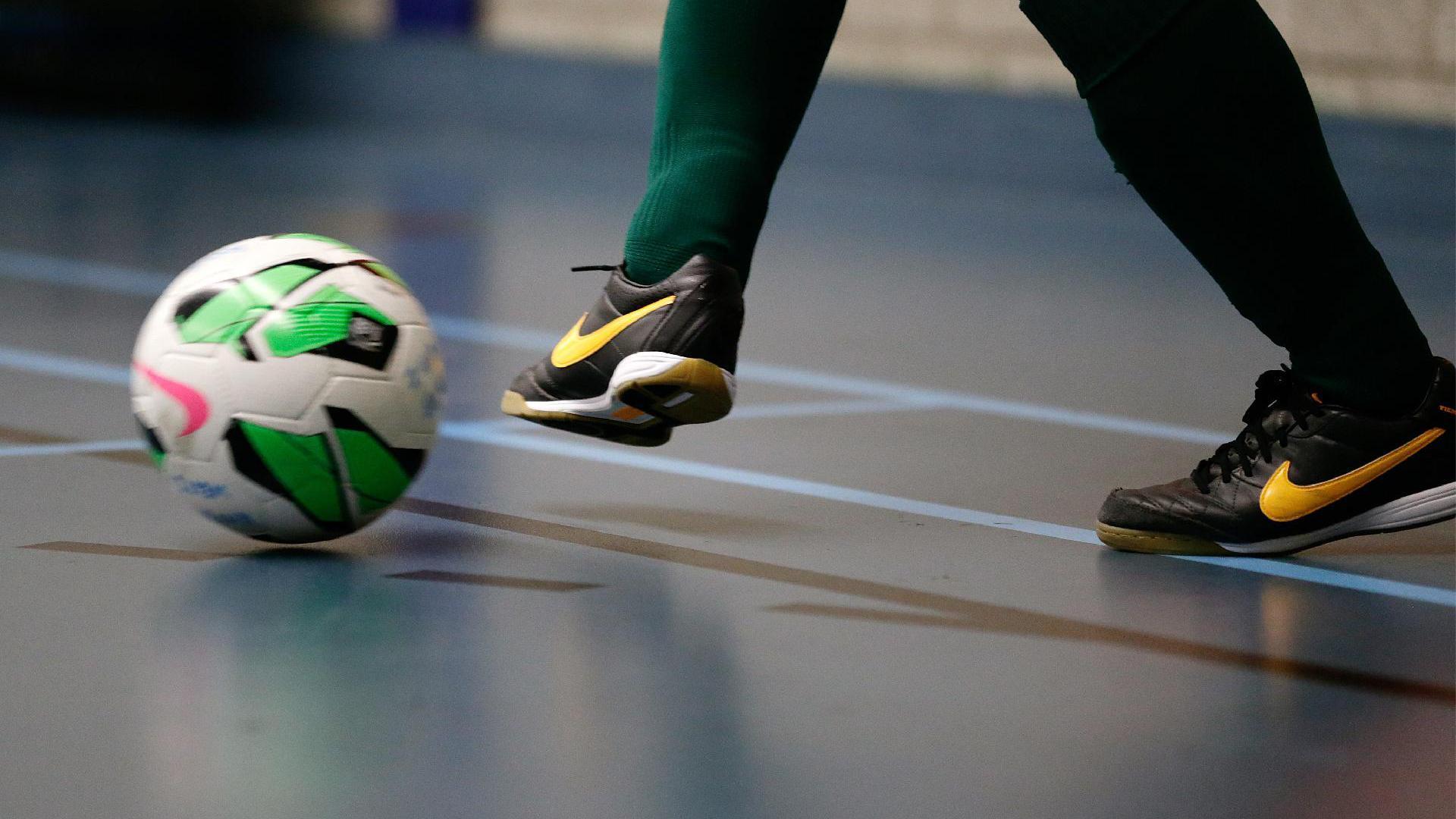 Doorstart eredivisie zaalvoetbal dure grap voor de clubs: 750 euro per potje