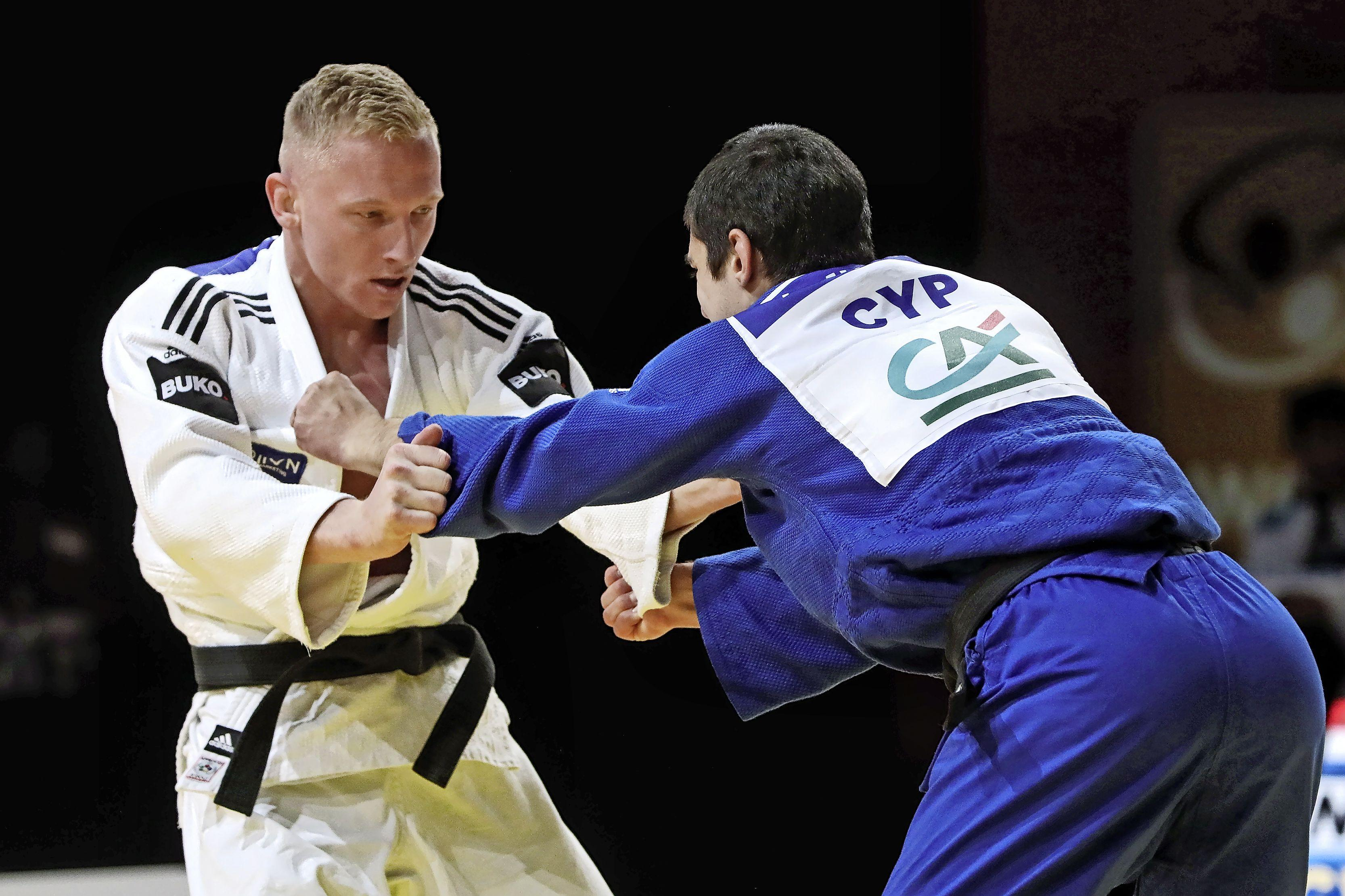 Heemskerkse judoka Frank de Wit raakt gewend aan de coronabubbels: 'Het wordt allemaal na een tijdje een soort van normaal'