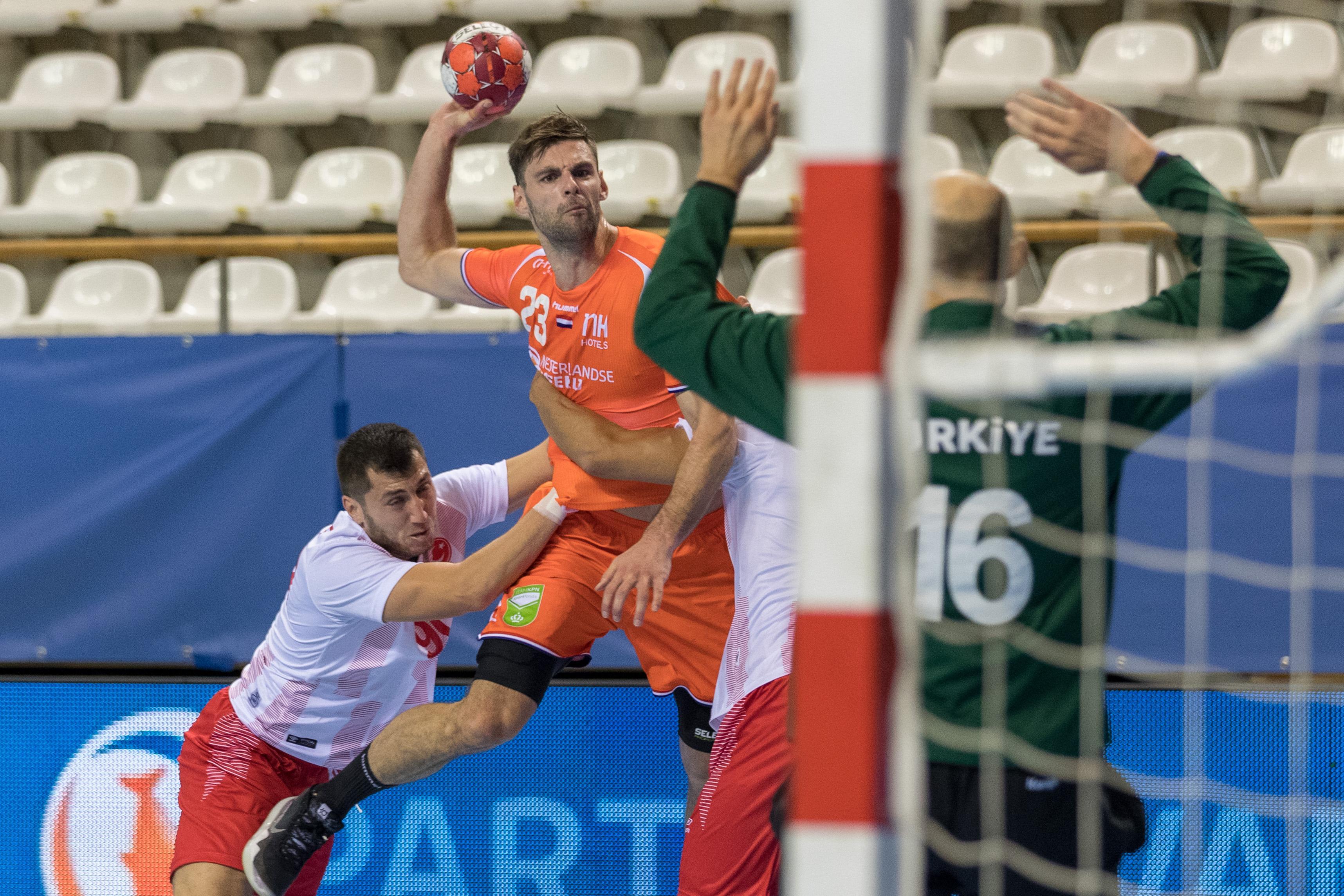 Volendam-speler Jorn Smits opgenomen in handbalselectie voor duels tegen Slovenië