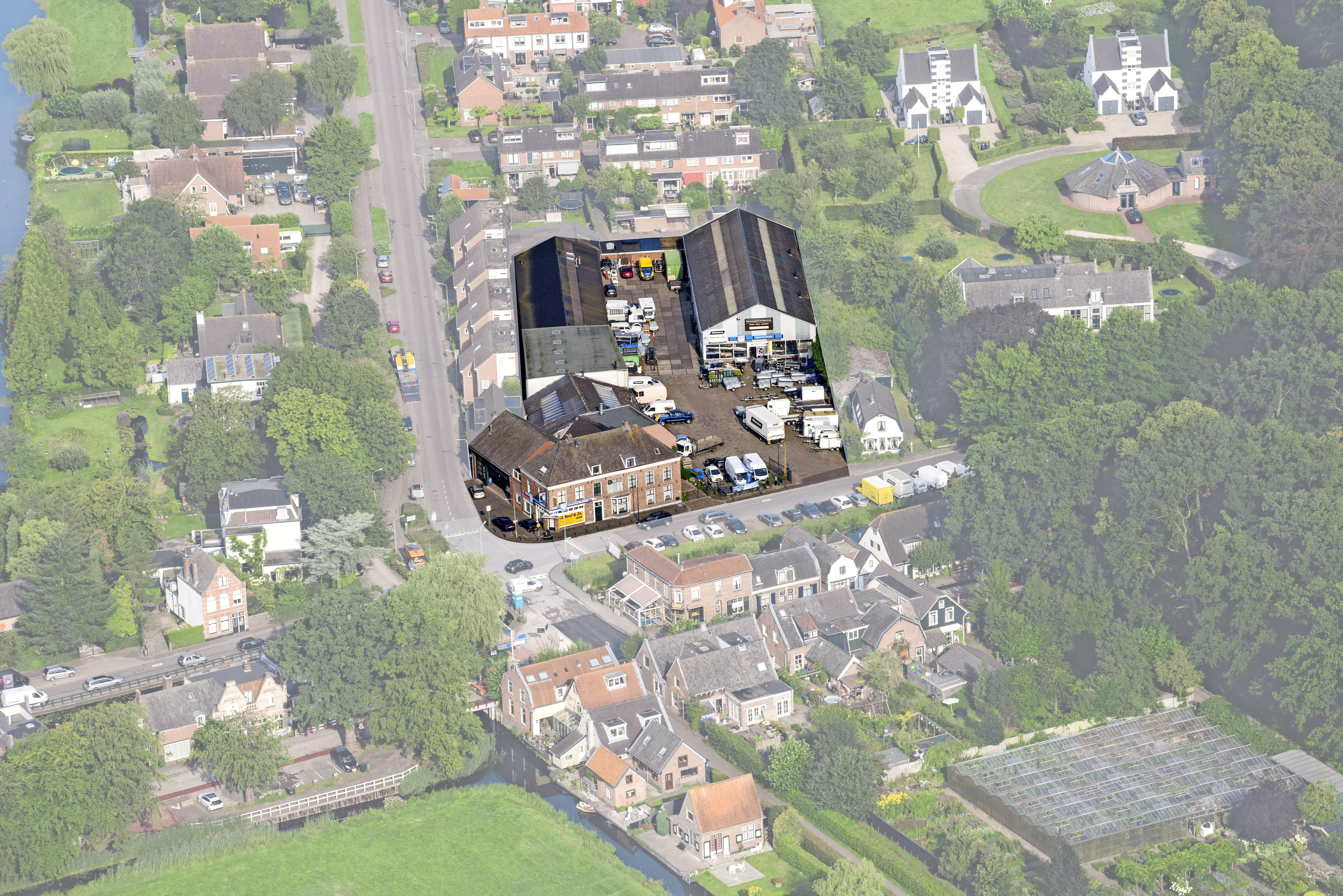 Warempel, Ankeveen krijgt er een wijkje bij: zeker 35 woningen, op terrein garage Neef aan de rand van het dorp