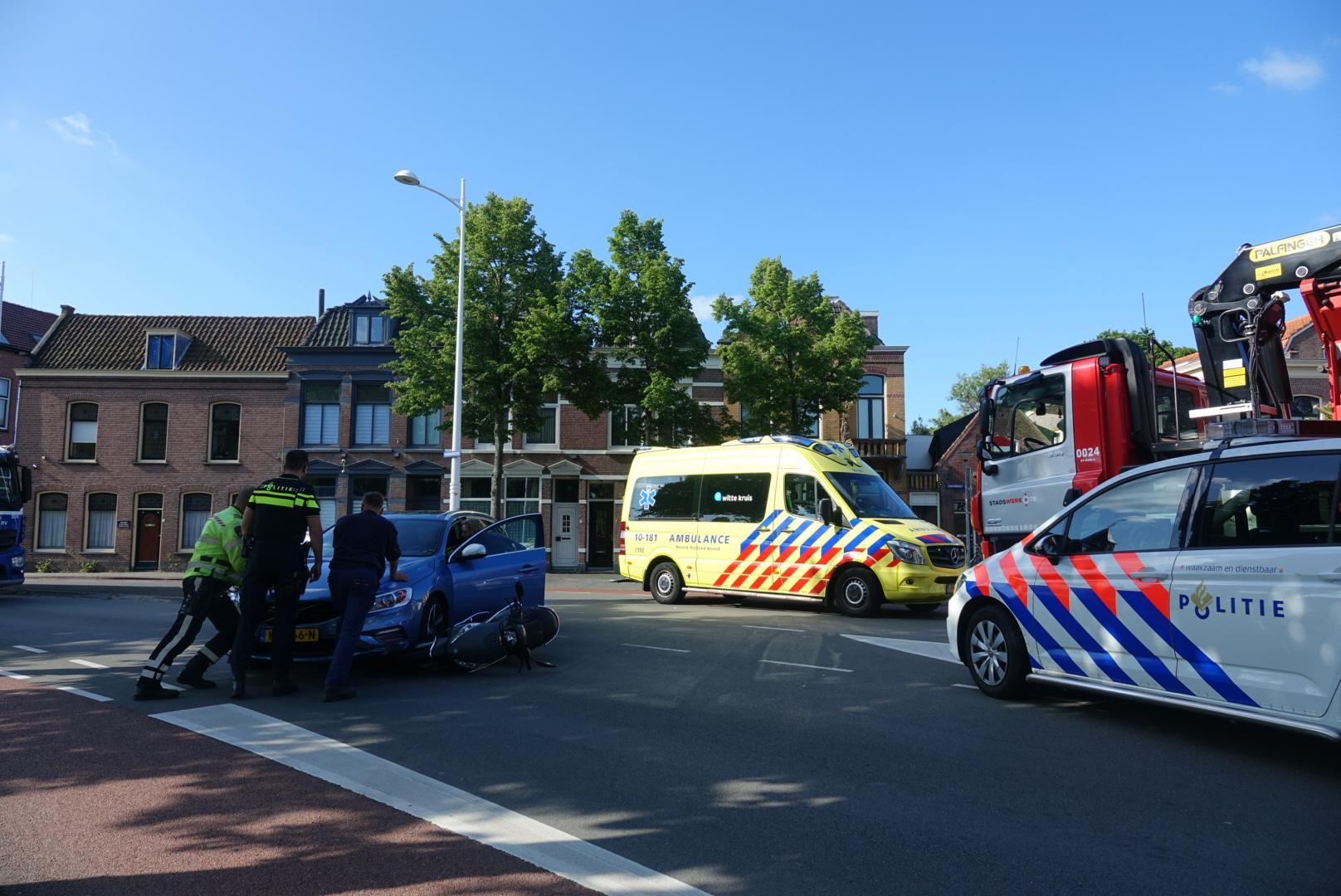 Scooterbestuurder gewond bij aanrijding in Alkmaar