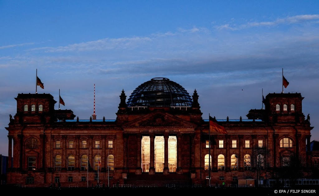 Duitse nieuwe besmettingen weer onder de 100 per 100.000 per week