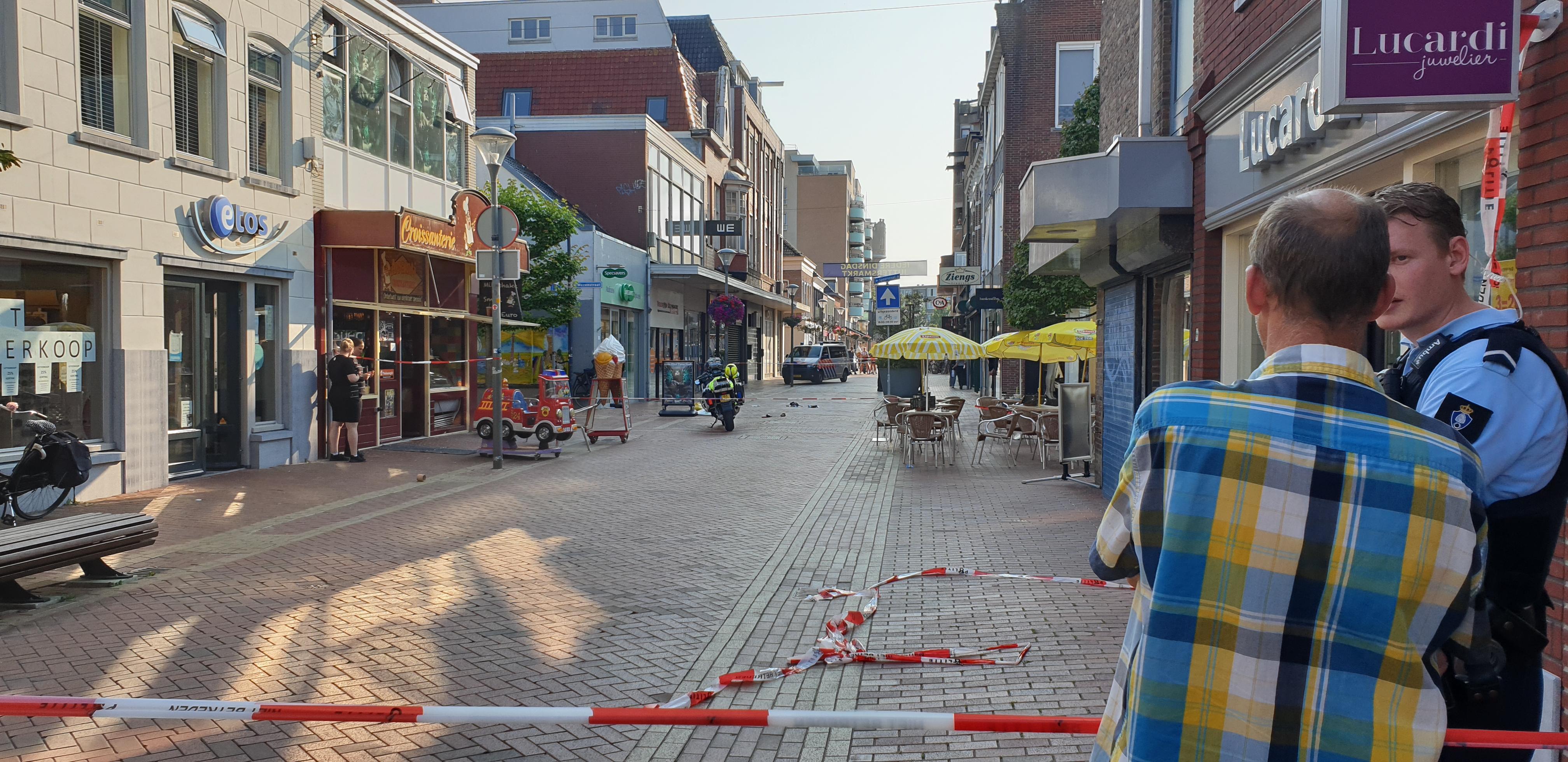 Twee gewonden bij steekpartij op Spoorstraat in Den Helder [update, video]