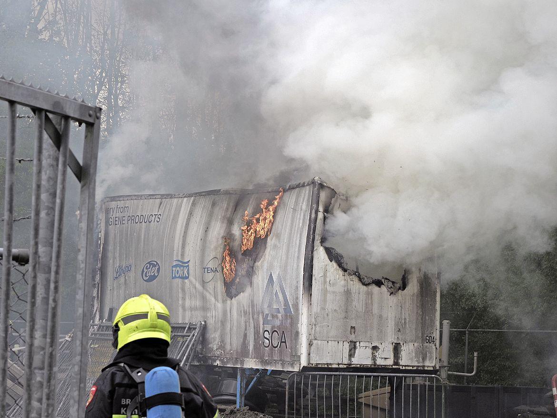 Opslagcontainer van recreatiegebied Spaarnwoude verloren gegaan door brand [video]