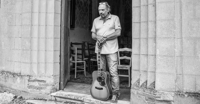 'Ik ben slecht in het woordje neen', zegt 'singer/songwriter', horeca-ondernemer, restaurateur en reisorganisator Paul Seeger.