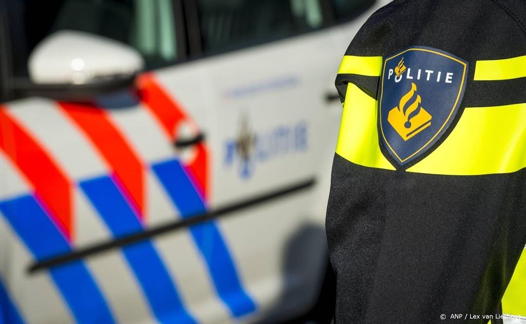 Drie agenten en verwarde man gewond bij ontsnappingspoging Horst