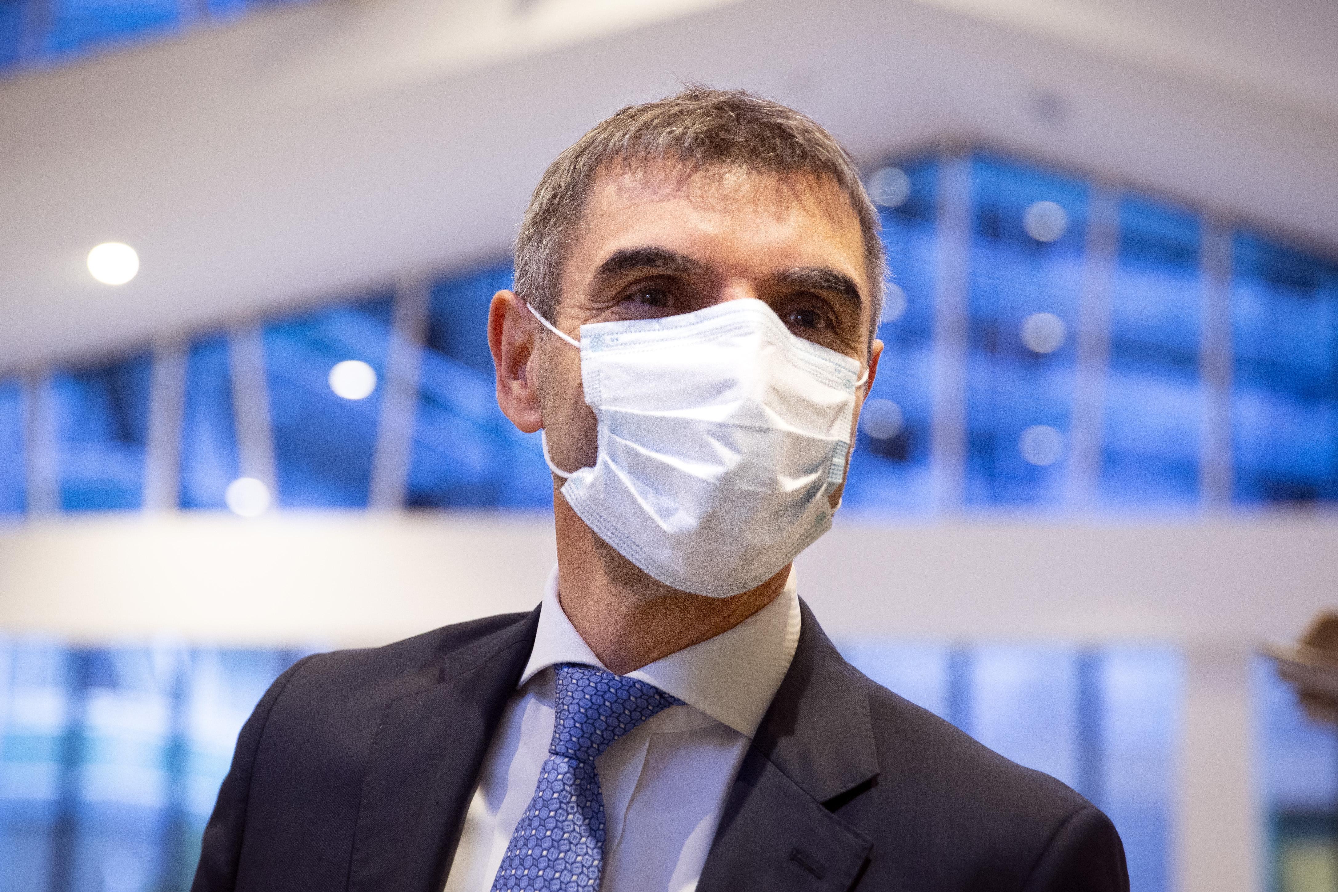 Oproep staatssecretaris: 'Zestigplus en gezond? Haal dan geen griepprik'