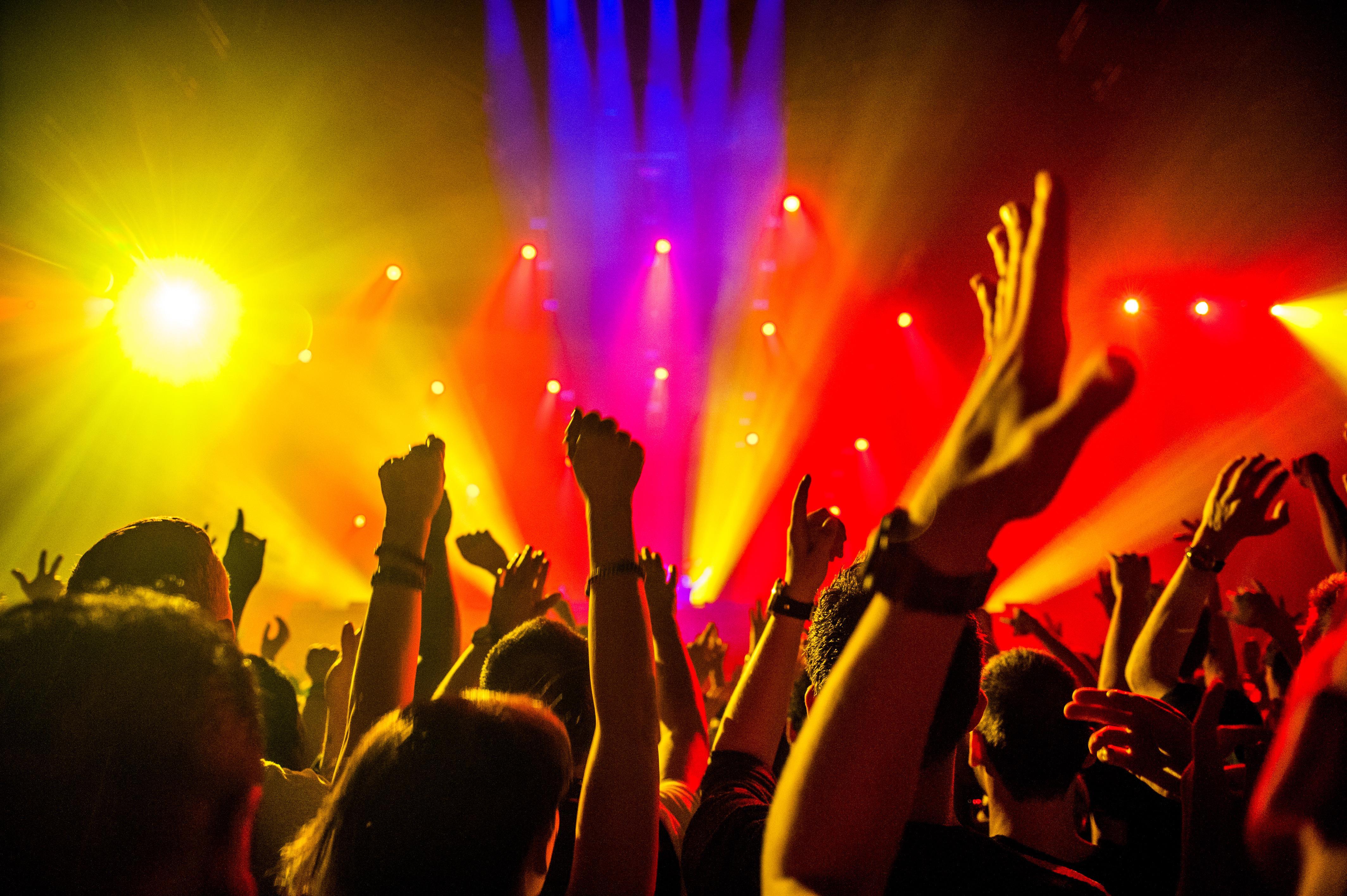 Kennemerland scherpt coronastrijd aan: nachtverbod in deel van de regio moet illegale feesten tegengaan