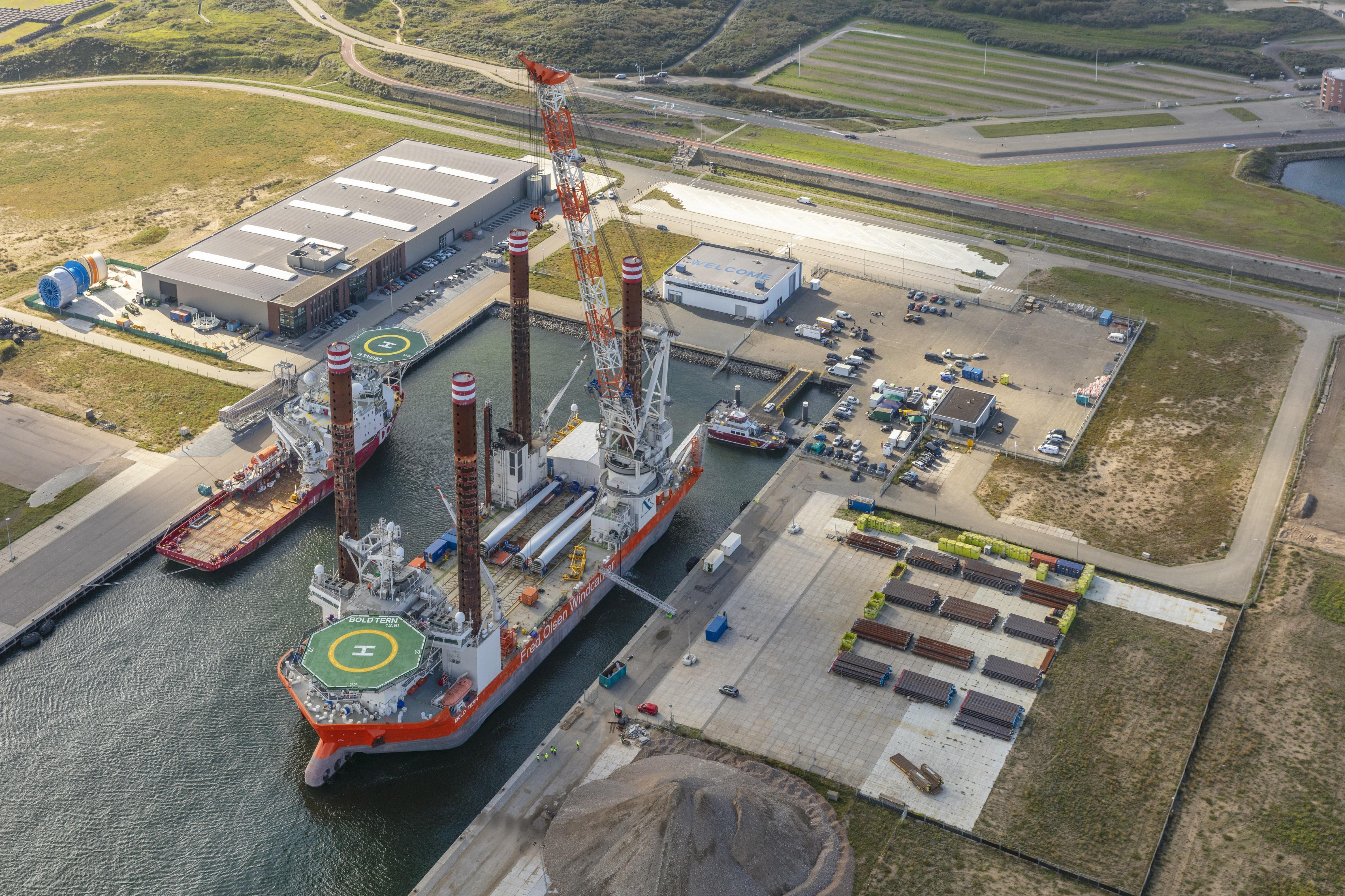 Maritiem dienstverlener DHSS gedijt in de IJmondhaven, binnen een jaar opent het bedrijf er een tweede vestiging