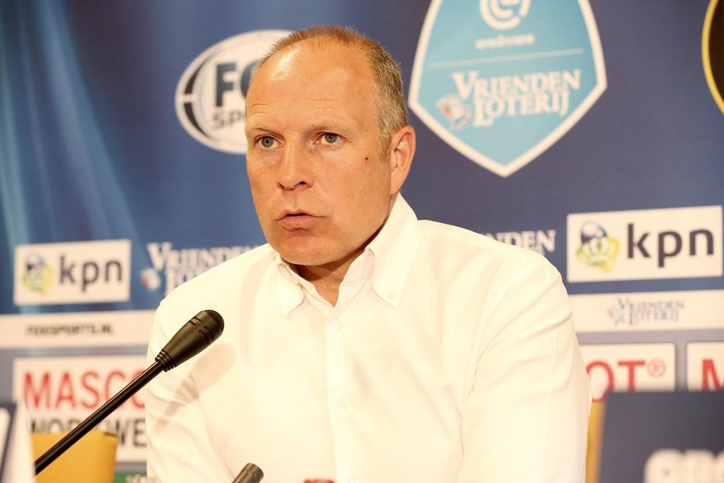 Oud-trainer FC Volendam Robert Molenaar naar Almere City