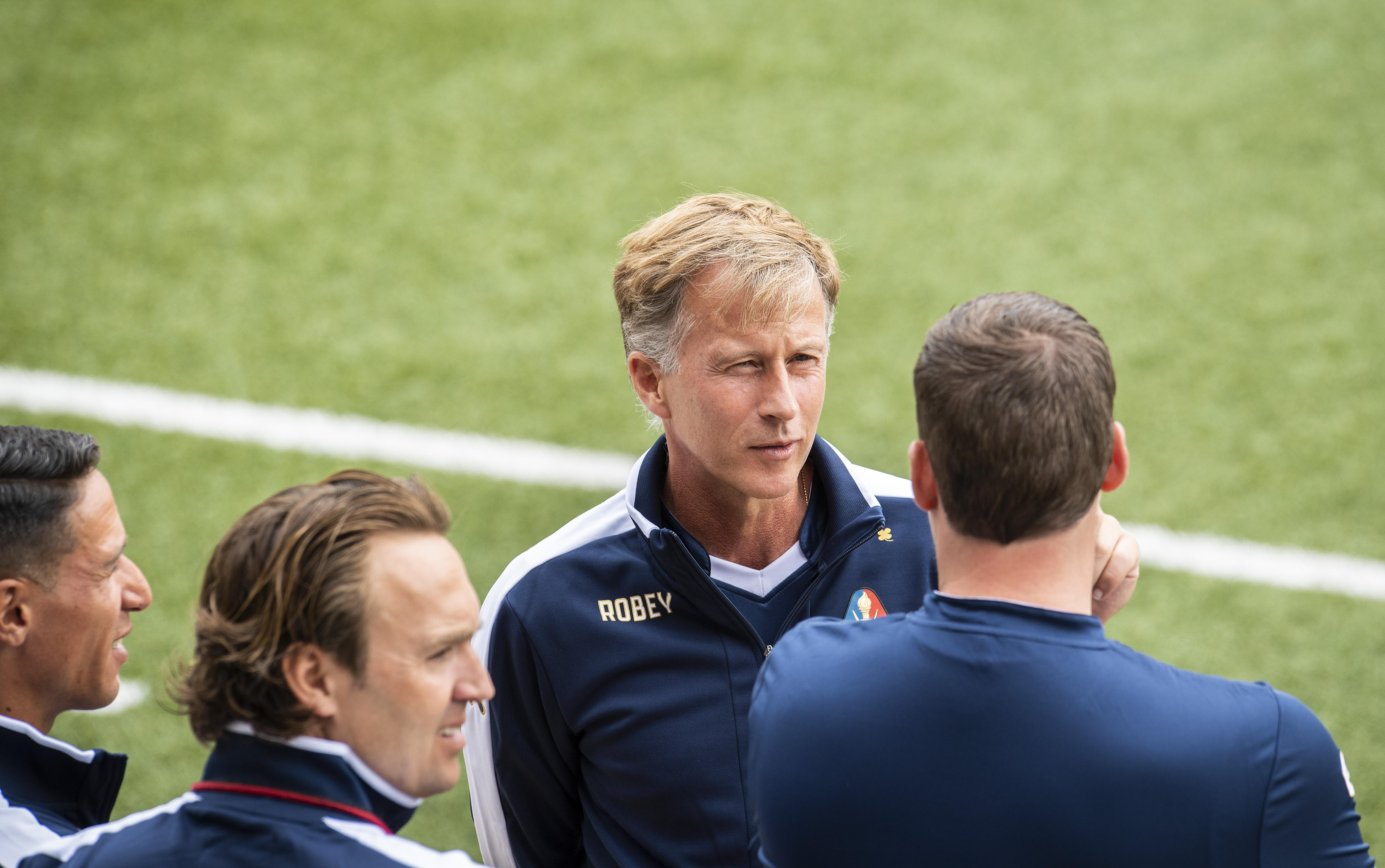 De namen Jonk en Jonker openen deuren voor FC Volendam en Telstar