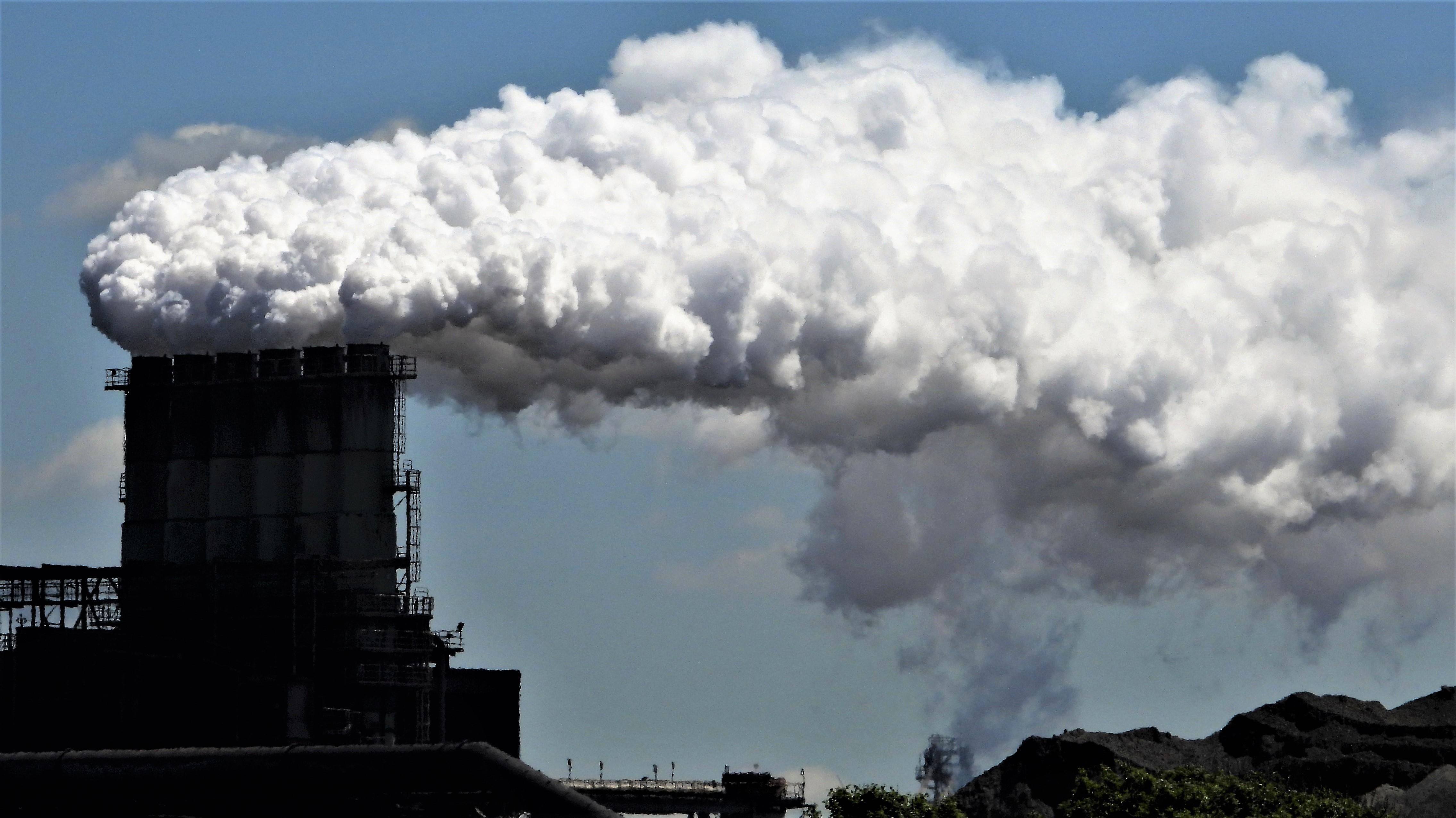 Door overheid betaalde 'gezondheidsambassadeur' of 'buurtadvocaat' moet Wijk aan Zee helpen tegen milieuoverlast Tata Steel