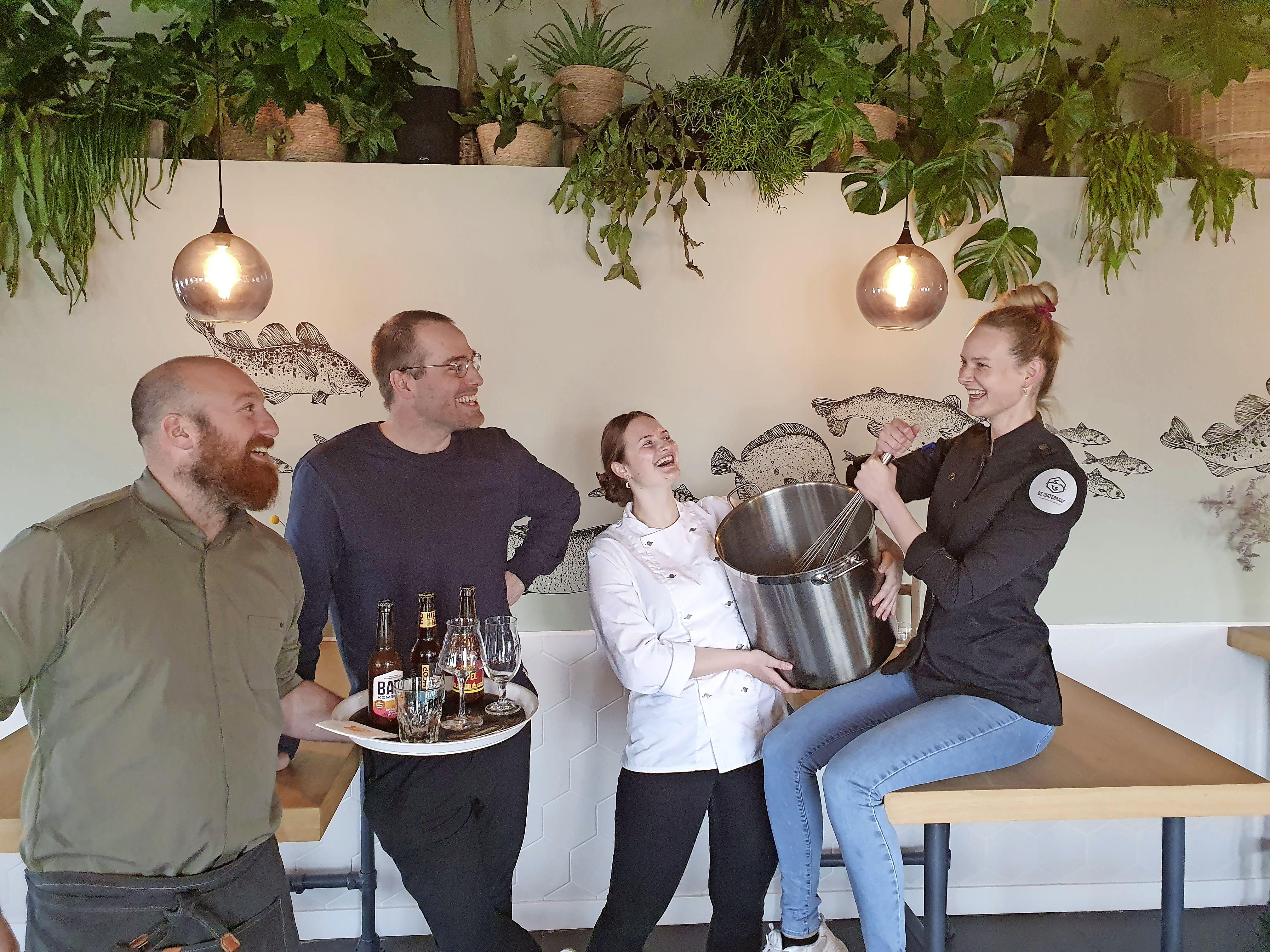Restaurant De Waterraaf, is voor psycholoog en crowdfunder Simon Douw 'sociaal ondernemen'. 'Groene cijfers, dat is oké'