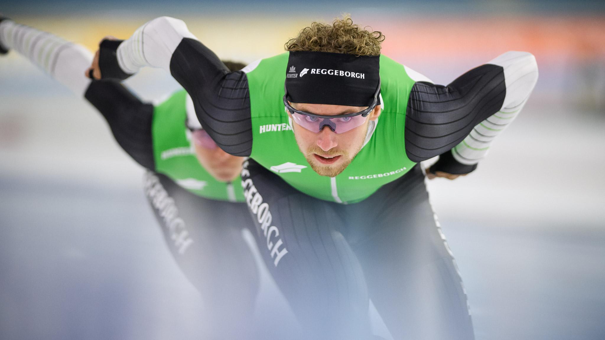 'Normaal helpt een vol Thialf je op de 1500 meter door de laatste bocht heen, als alles al pijn doet', zegt Wesly Dijs uit Soest