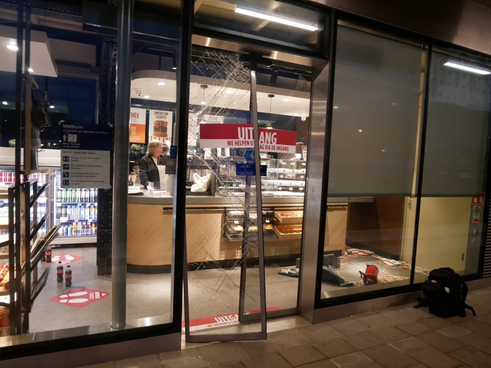 Inbrekers dringen Kiosk station Castricum binnen met brandblusser