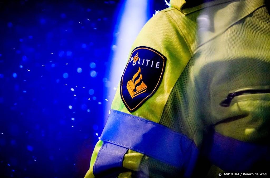 Agent mishandeld na stoppen feest in Helderse woning