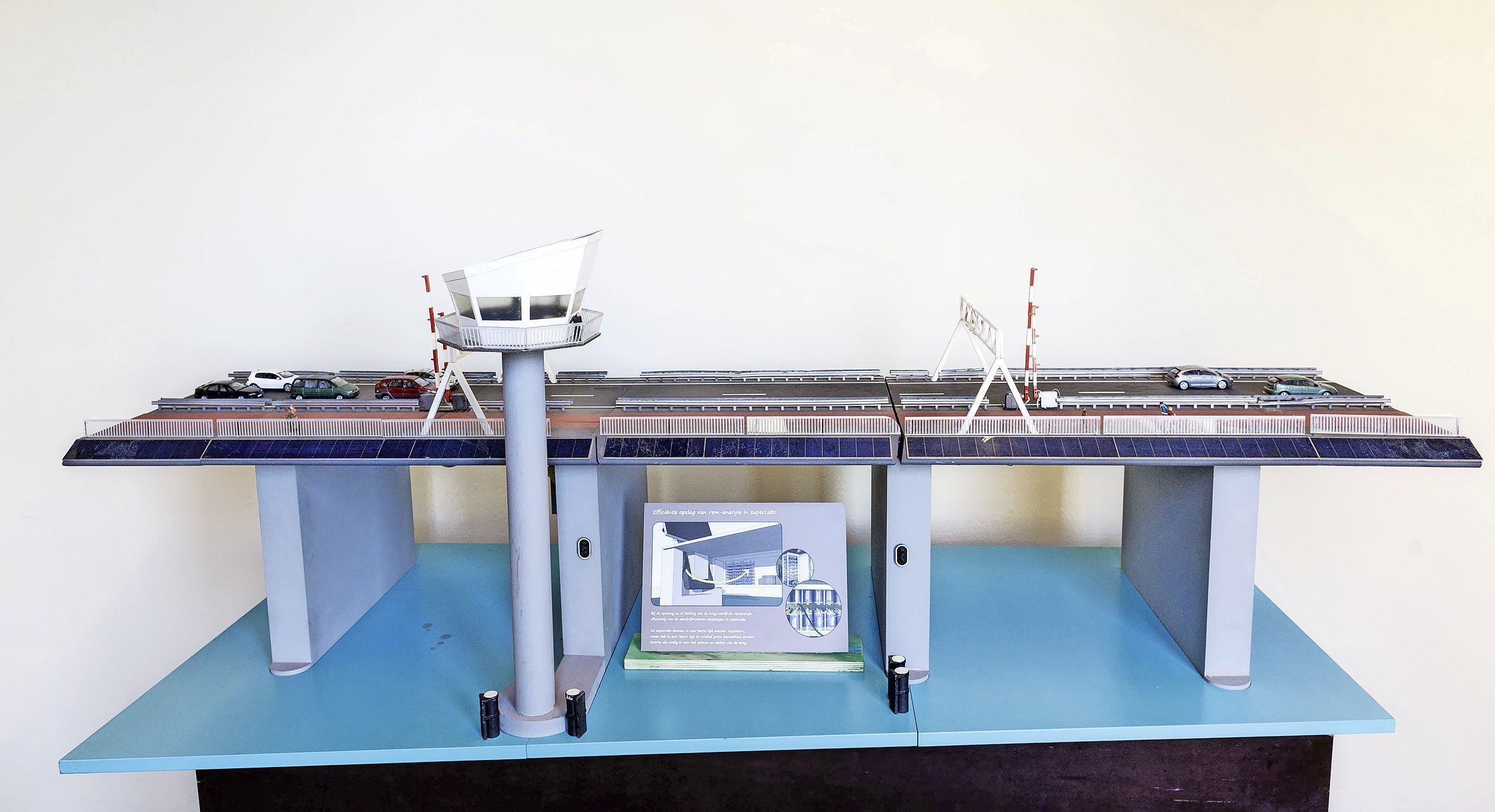 Rijkswaterstaat schenkt Rijksmuseum Boerhaave drie modellen