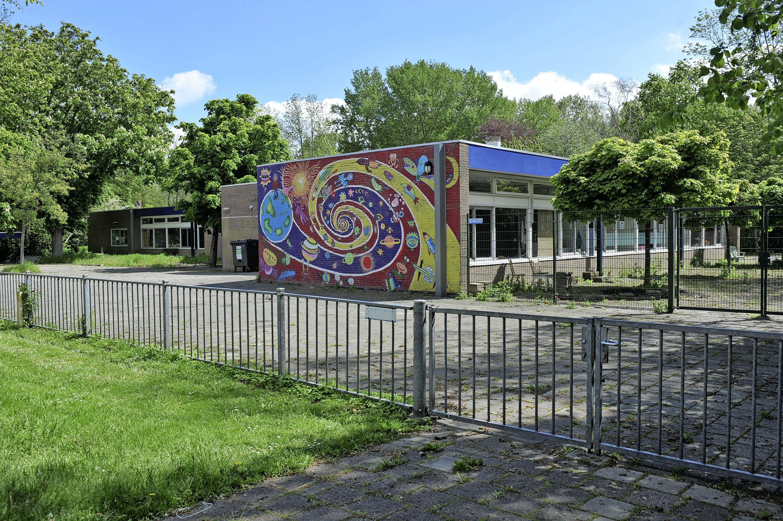Geen kindcentrum, maar huurwoningen op voormalige schoollocatie: 'Unieke kans' mag niet voorbij gaan