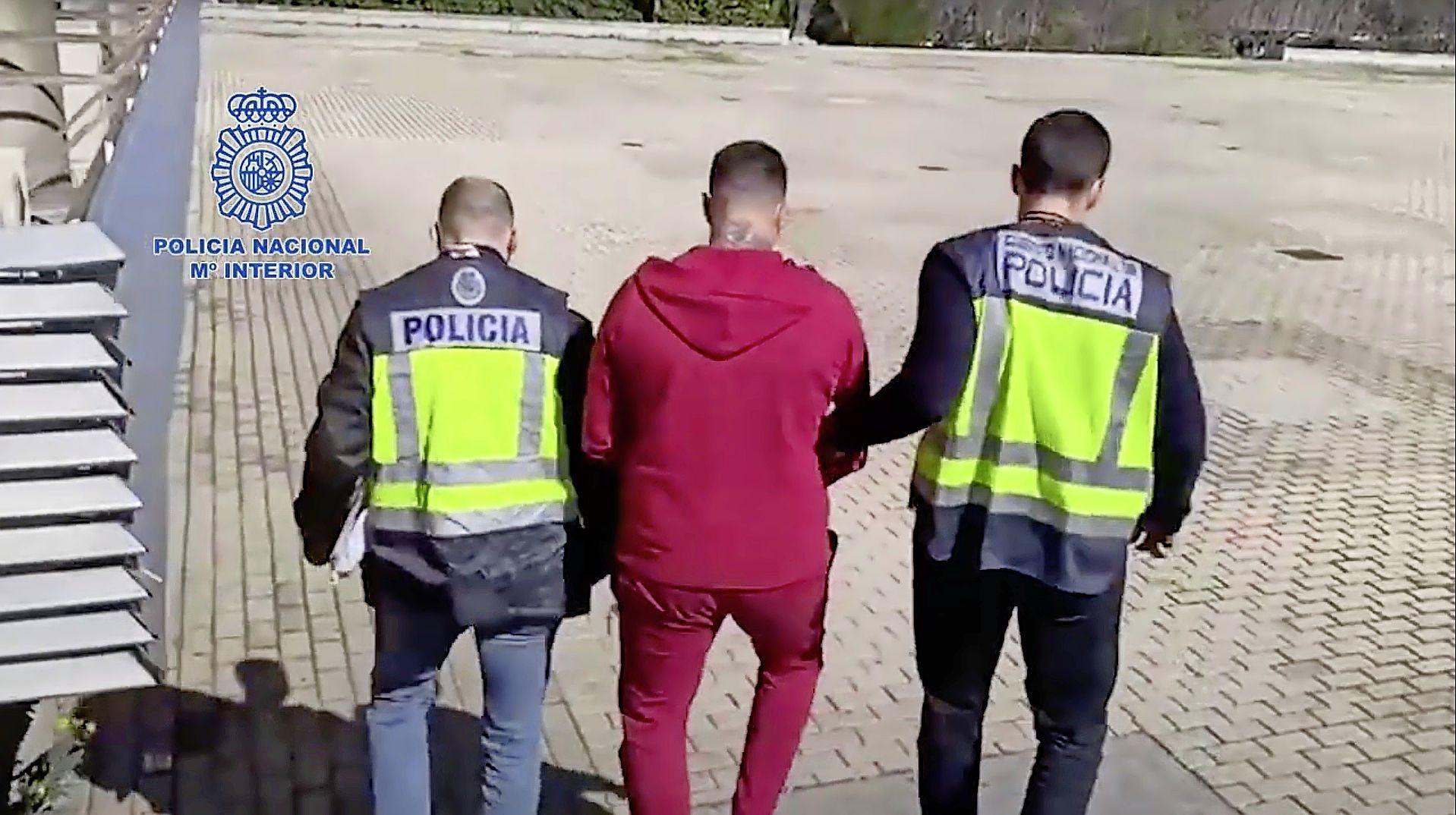 De schietpartij in Bergen aan Zee was een afrekening in het drugscircuit, zegt de Spaanse politie. Eerste zaak over dood van 45-jarige Colombiaan in mei voor rechter [video]