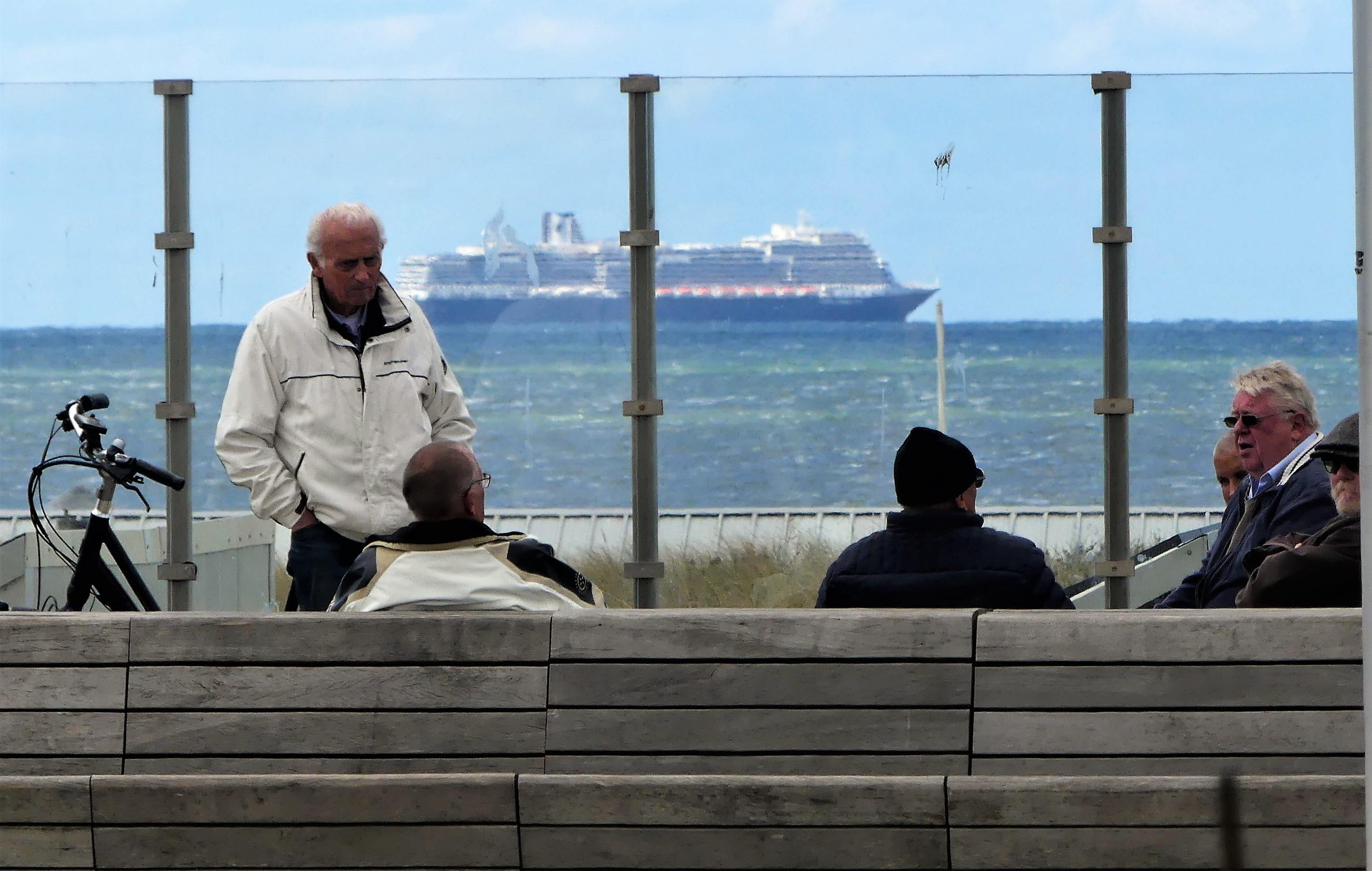 Katwijk ziet nog lang geen uitweg uit stikstofcrisis: 'Het zou ons enorm helpen als schepen langzamer varen'