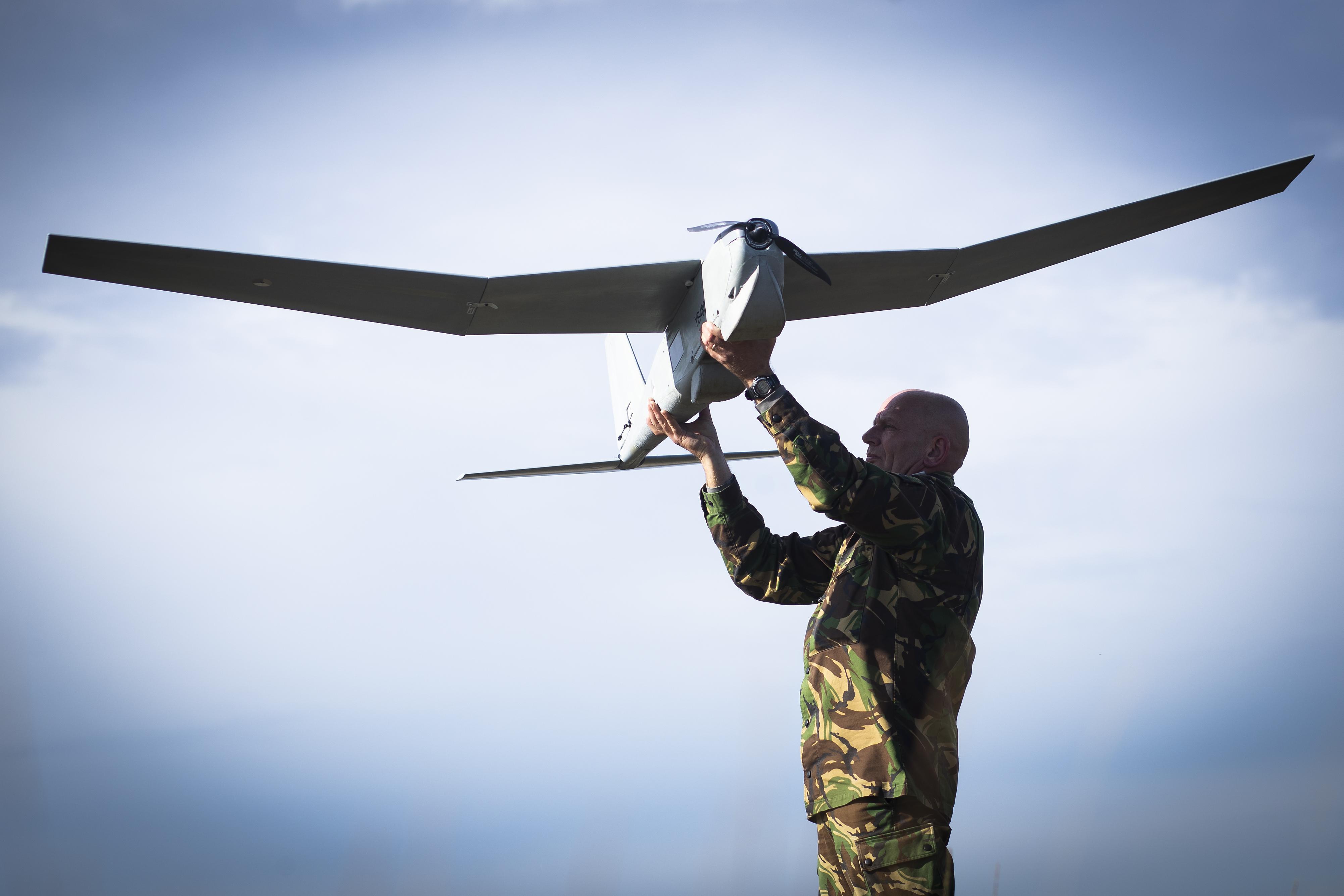 Spionage-drones boven Nederland: 'We doen ons werk tijdens inzet ook tussen de bevolking'