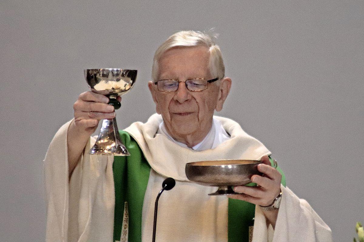 Soester pastor Wil Veldhuis (87) plotseling overleden; 'Hij had net voor Pasen een nieuw appartement betrokken, de dozen waren nog niet eens uitgepakt'