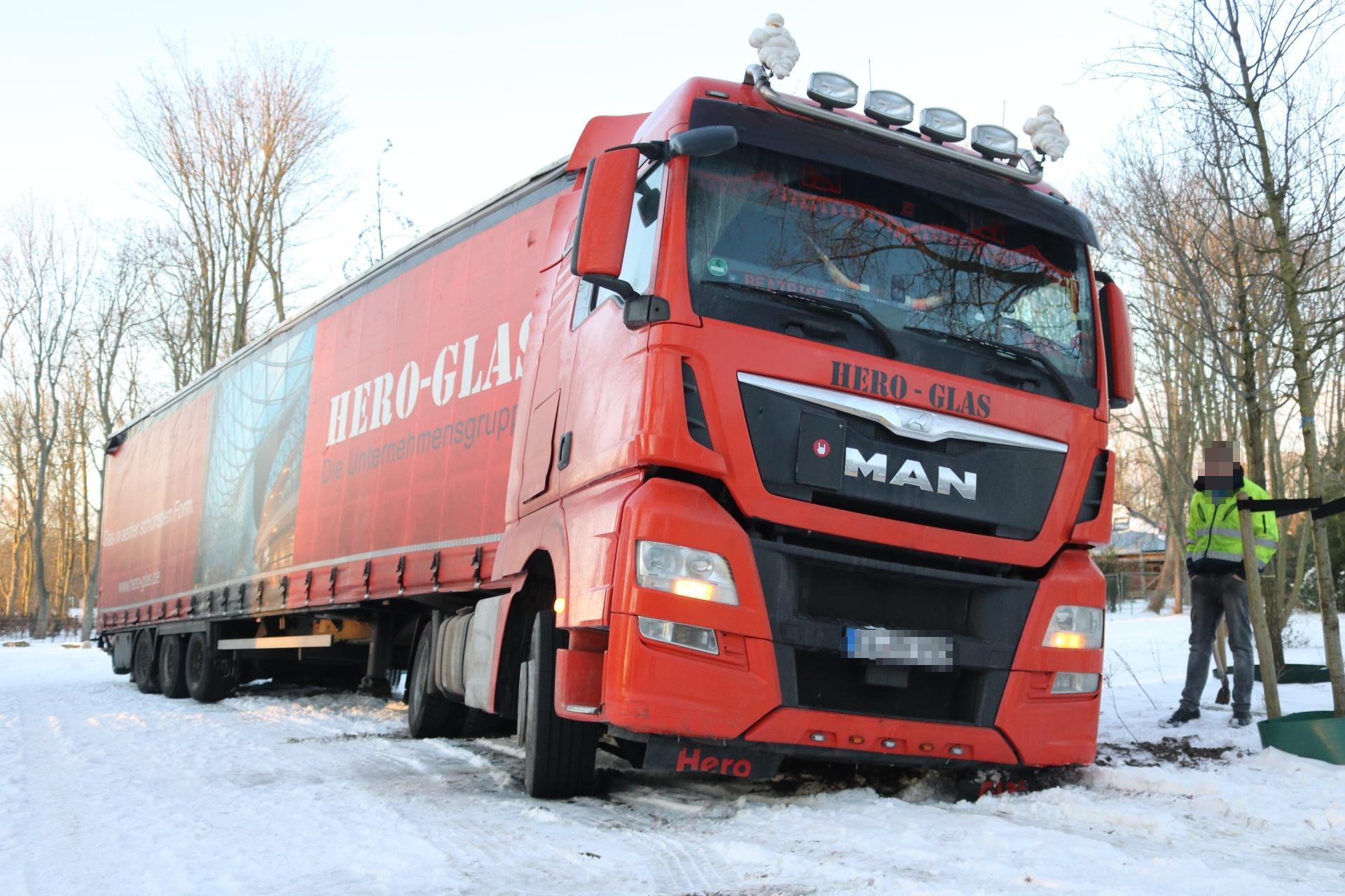 Vastgelopen vrachtwagens zorgen voor oponthoud in Noordwijkerhout