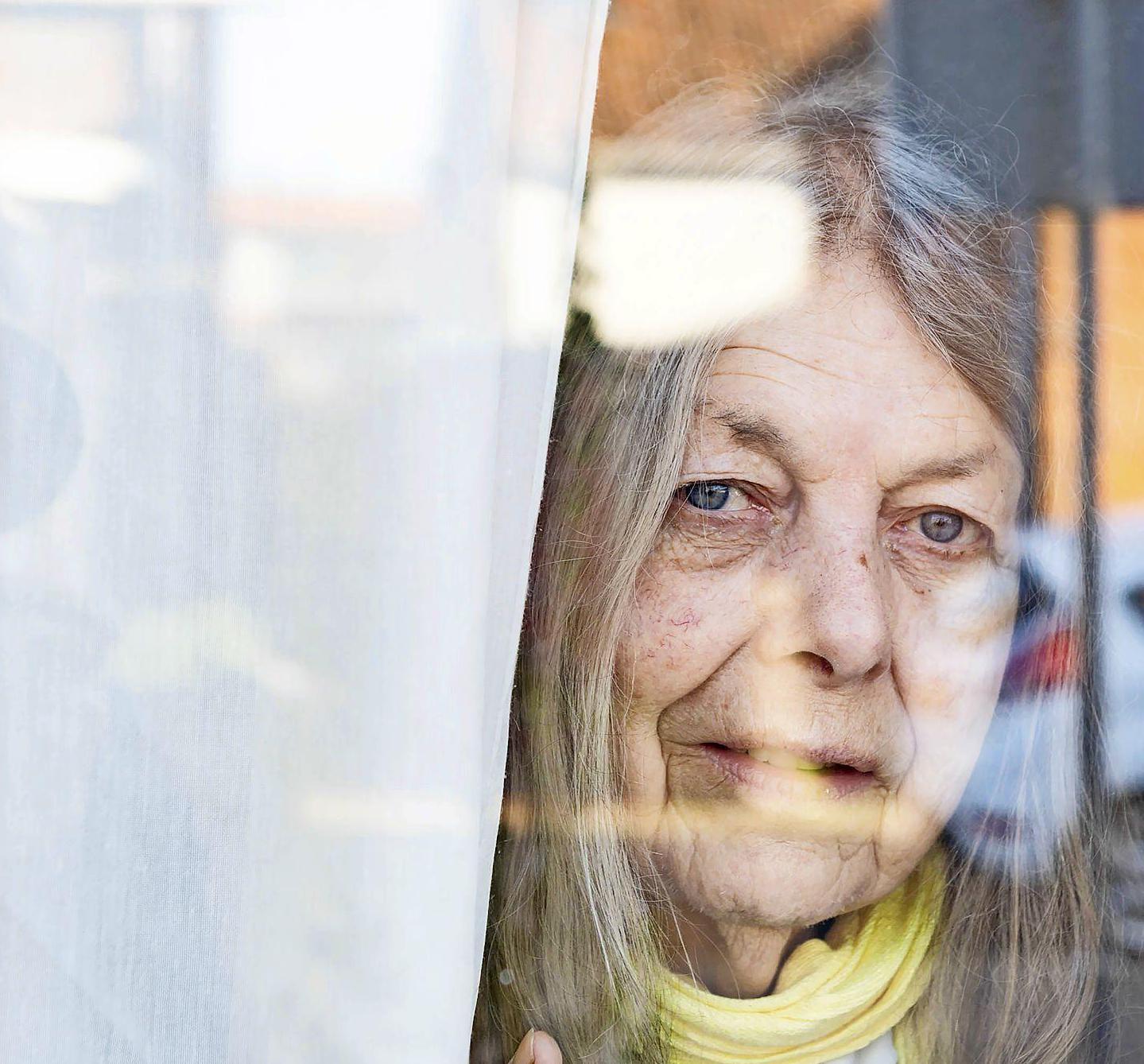 Uit huis gezette Loes Alkemade (76) uit Noordwijk krijgt sociale huurwoning in zorgcomplex. 'Ik ben hier heel erg blij mee'