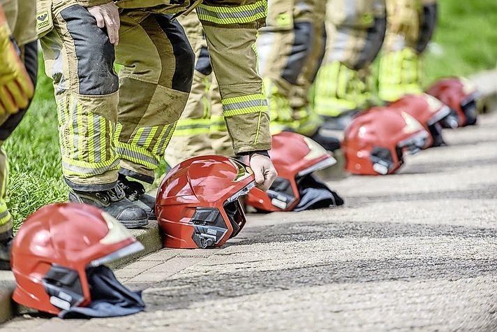 Collega's vormen erehaag voor overleden brandweerman Nanne Breek (66) uit Zaandam