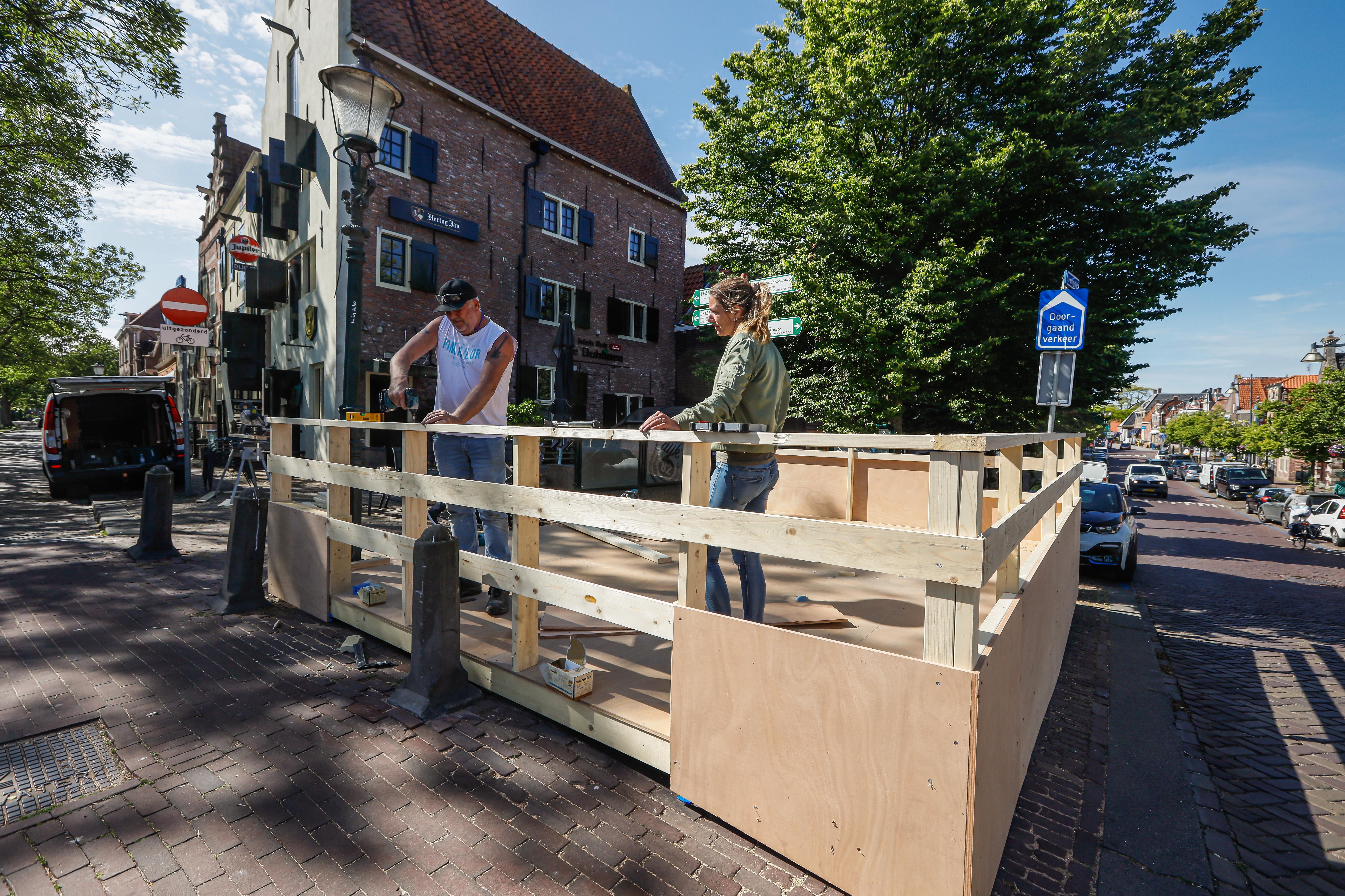 Naar verwachting geen actievoerende horeca in Hoorn. 'Einde van walgelijke tunnel komt langzamerhand in zicht'