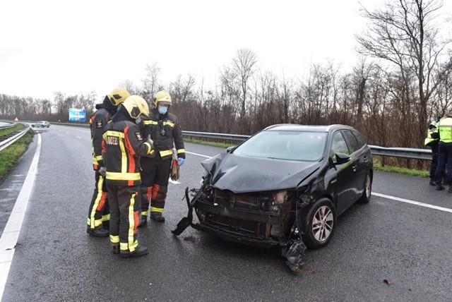 File op A44 richting Den Haag na ongeluk bij Oegstgeest, weg weer vrij