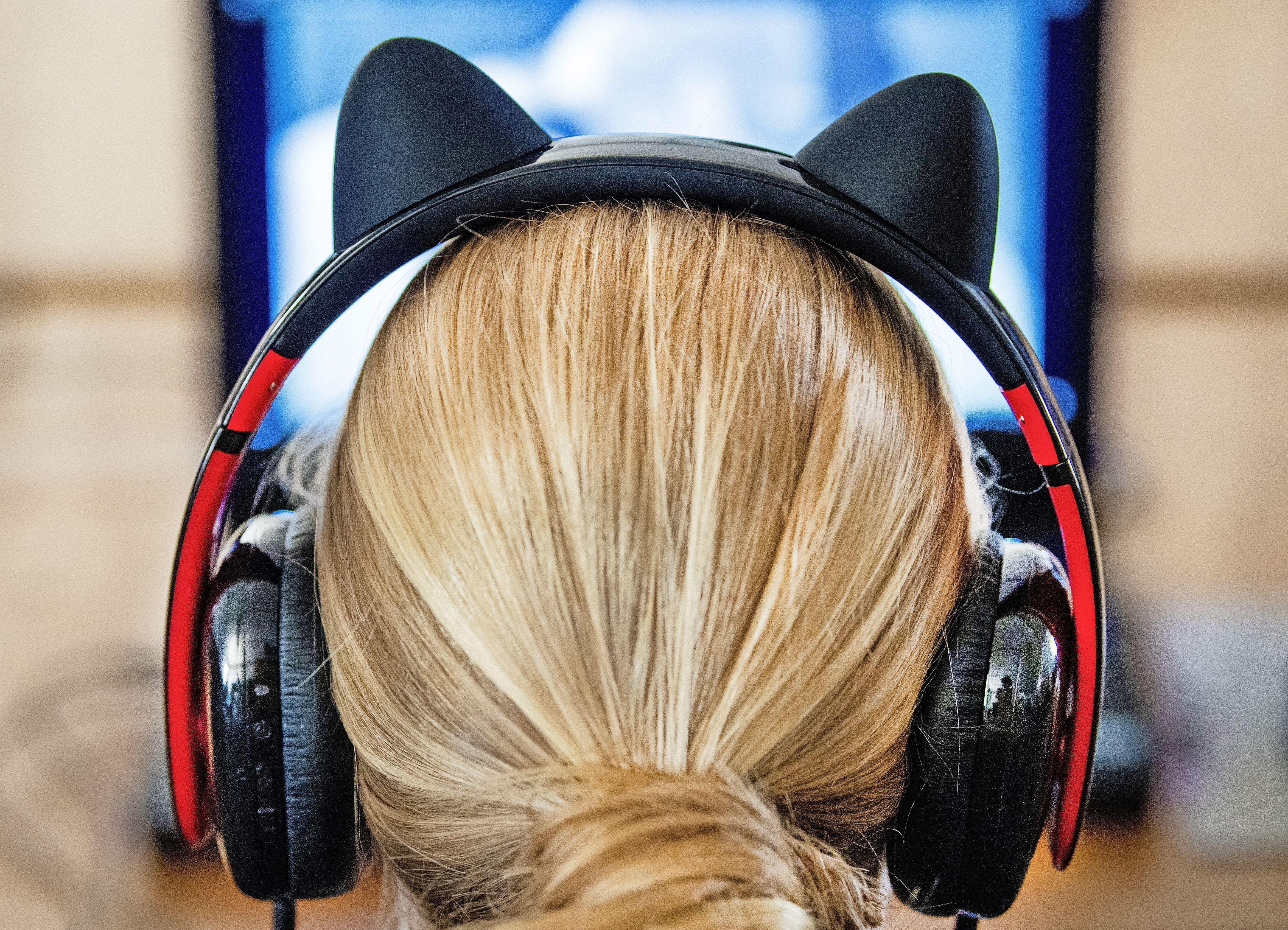 'Help, mijn puber speelt alleen maar games': hoe ga je om met gamende jongeren?