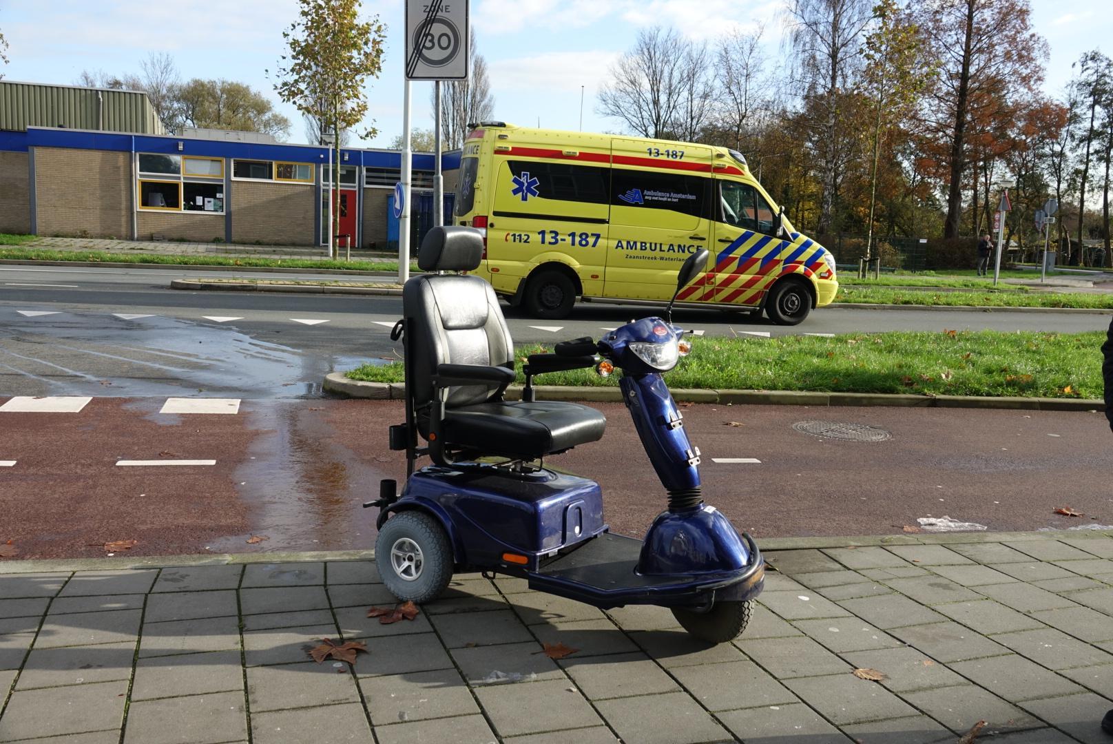 Man op scootmobiel aangereden in Zaandam