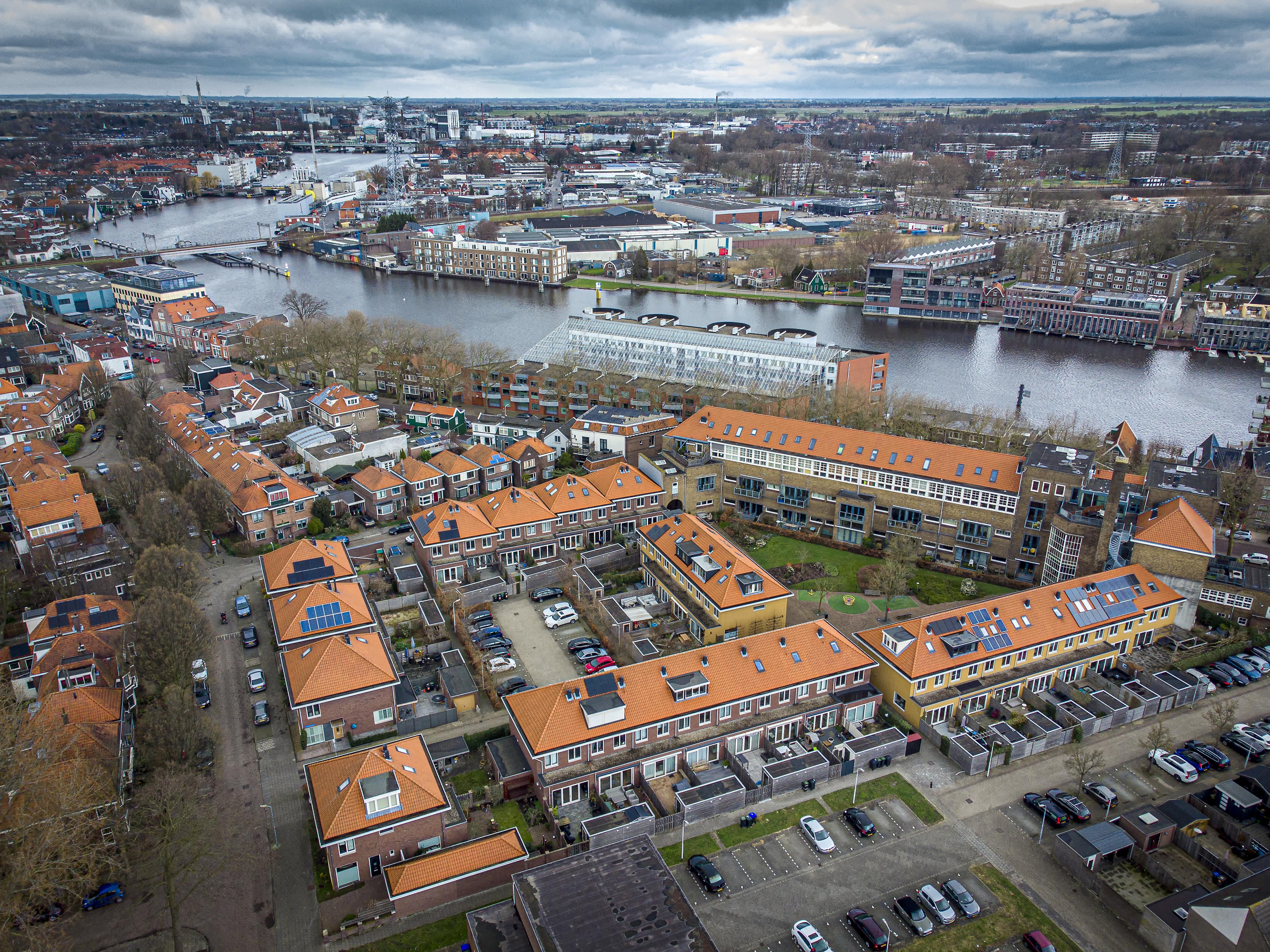 Een hoekje op het palet van de Schildersbuurt in Zaandam: het Jedeloo Woongebouw aan de Westzijde