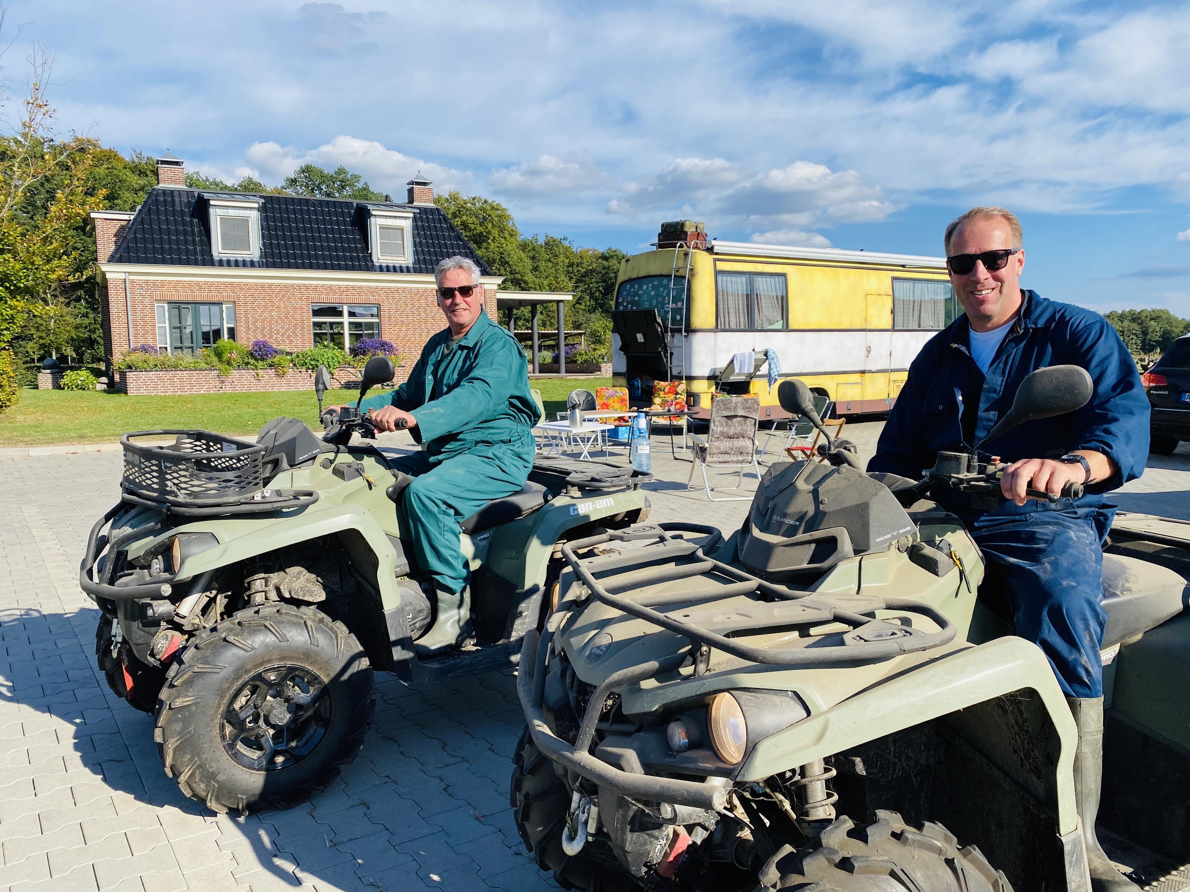 Yvon Jaspers biedt Nibbikers kijkje in het leven van oud-dorpsgenoten die hun agrarische geluk in Oost-Duitsland zochten. 'Leuk om zoveel reacties uit West-Friesland te krijgen', zegt geitenboer Jan de Vries