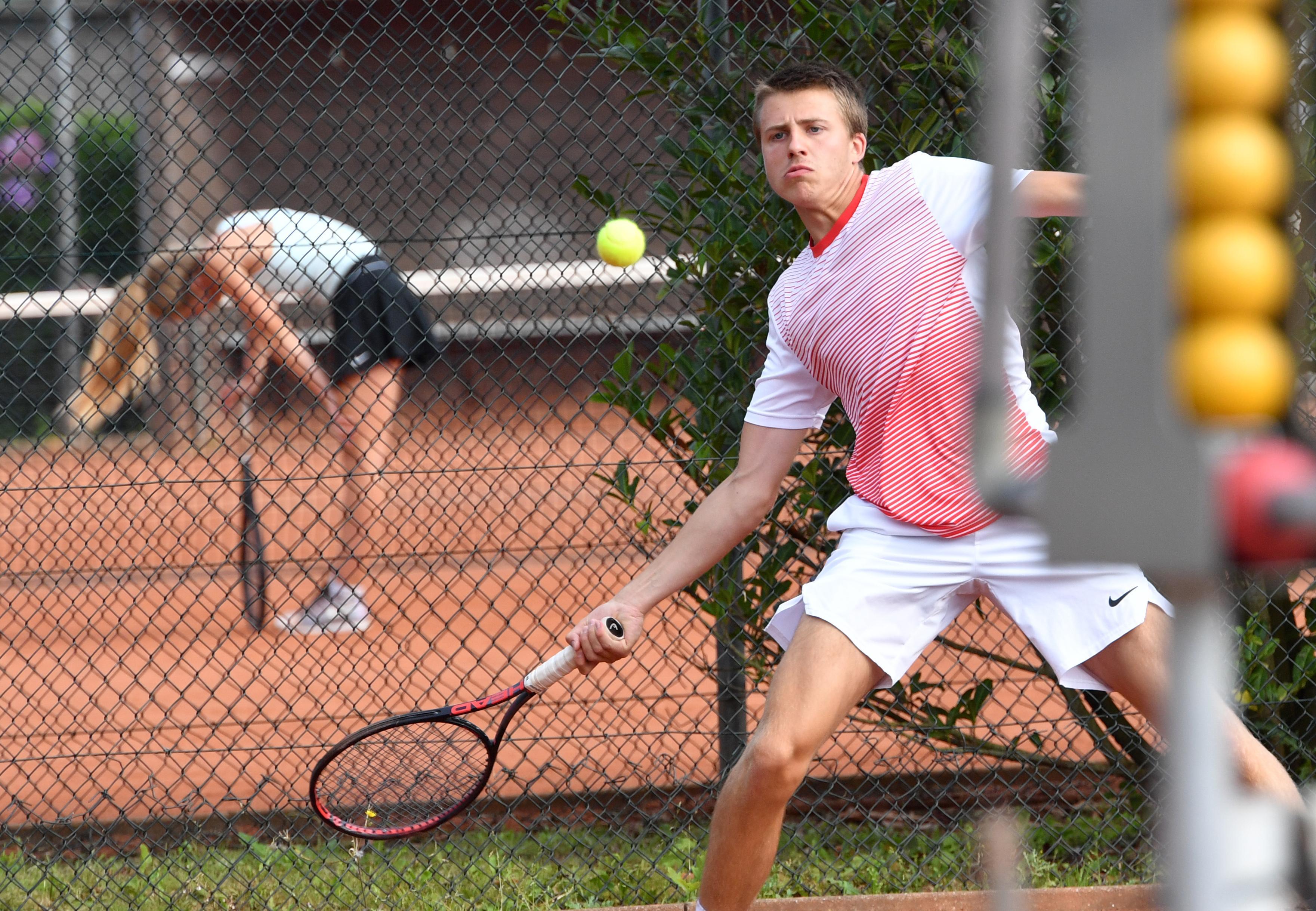 Gosse Panagoulopoulos komt op eigen tennispark in finale van Kaasstadtoernooi net tekort