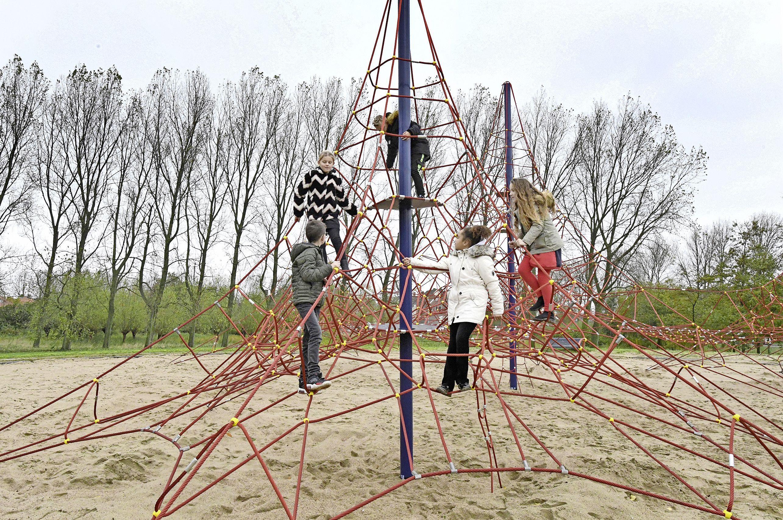 De wipkip is niet meer alleen, Heemstede gaat fors investeren in speelplaatsen