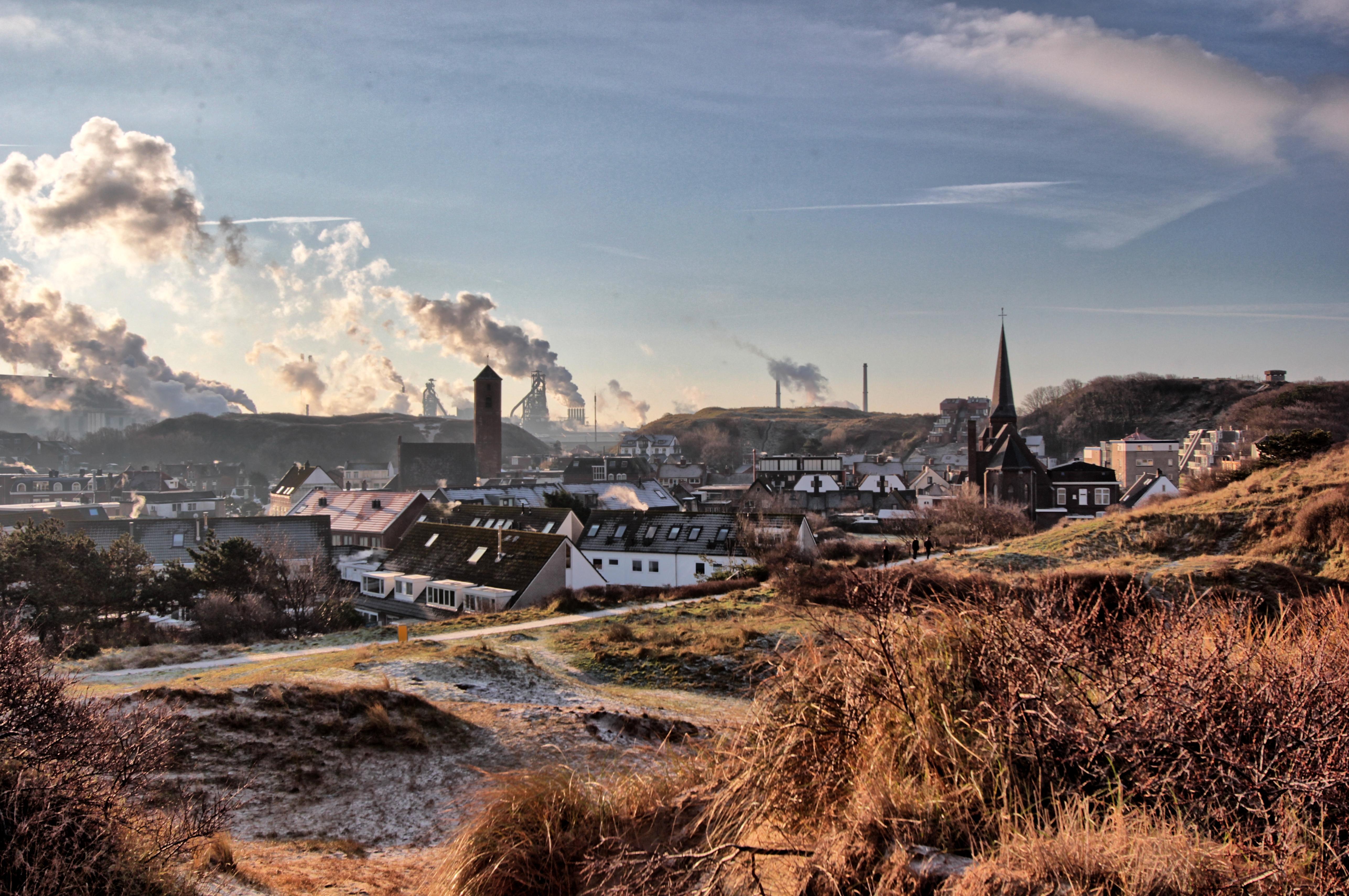 Heemskerks raadslid Bertus Berghuis: 'Leg bos aan tussen Tata Steel en Wijk aan Zee'