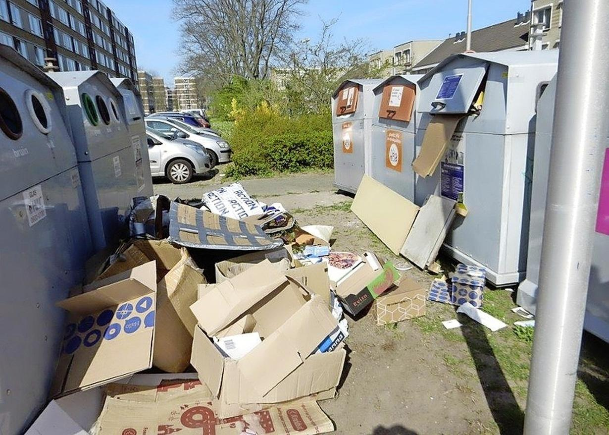 Privacywet staat cameratoezicht bij vuilcontainers IJmuidense Zeewijkpassage in de weg. Wijkplatform is teleurgesteld: 'Waar hier niet, en elders wel'