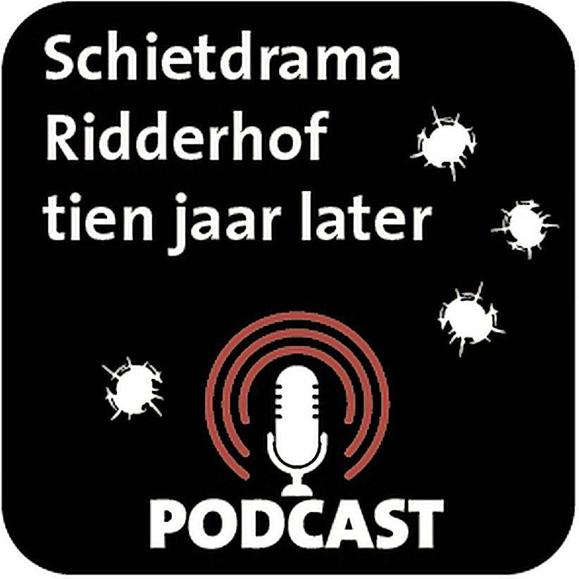 Tien jaar na het Ridderhofdrama keren deze journalisten, toen jonge ooggetuigen, terug naar de plek waar zes doden vielen. 'Daar ligt iemand. Hij leeft niet meer' [podcast]
