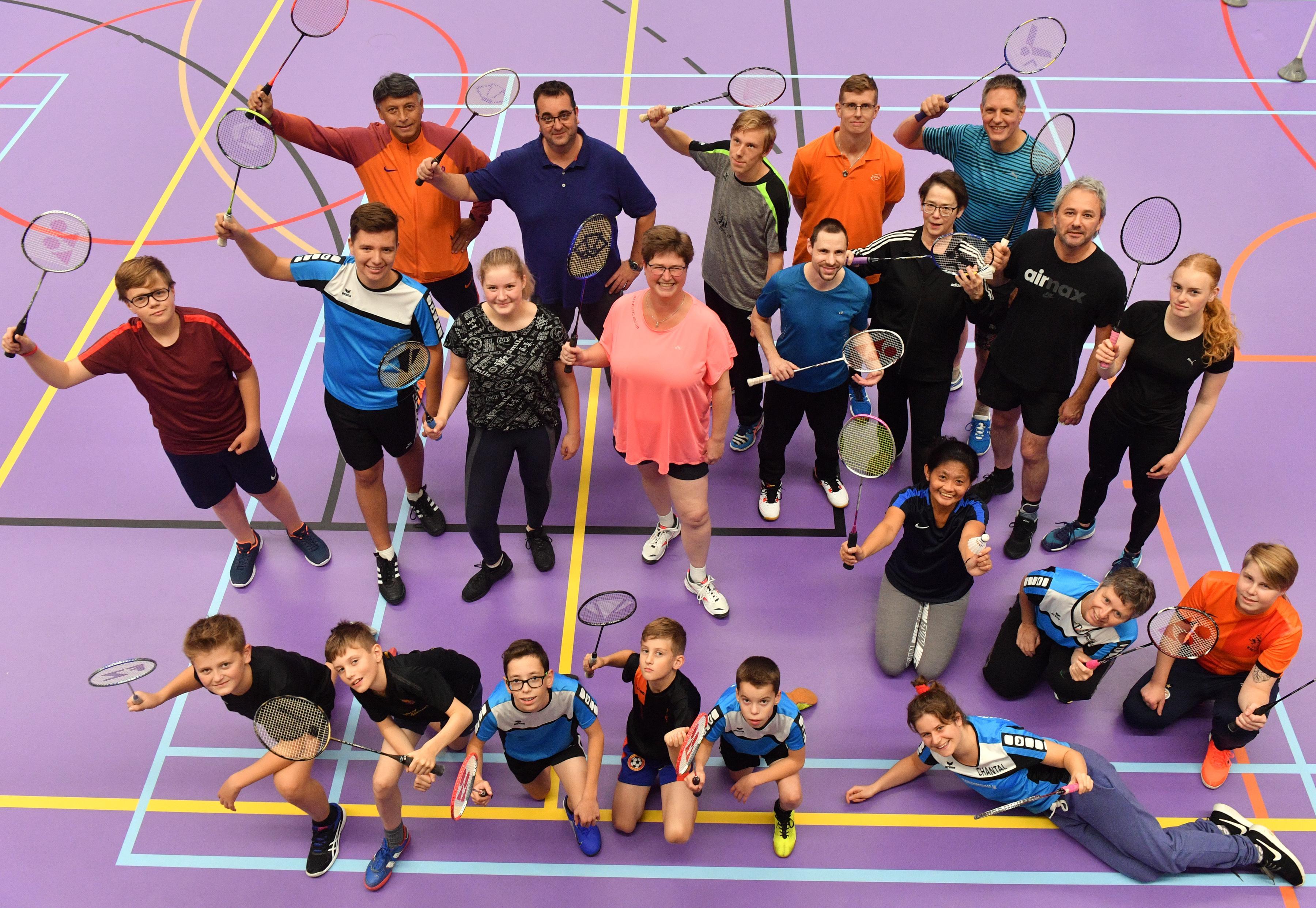 Badmintonners van HHW'69 staat met feest stil bij jubileum: 'Bijna alles wel meegemaakt'