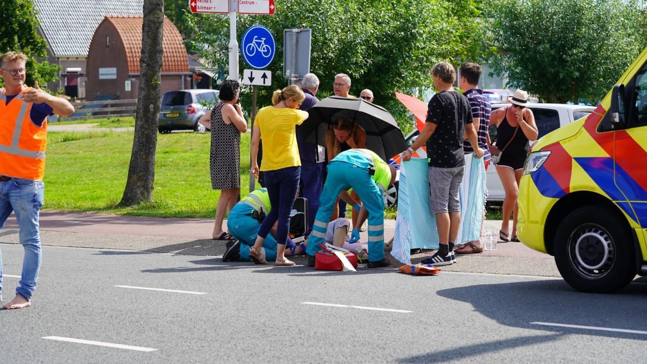 Fietsster gewond na aanrijding door automobilist in Akersloot