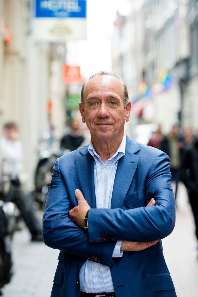 Haarlemse schrijver Peter Römer brengt zijn jongste thriller aan huis