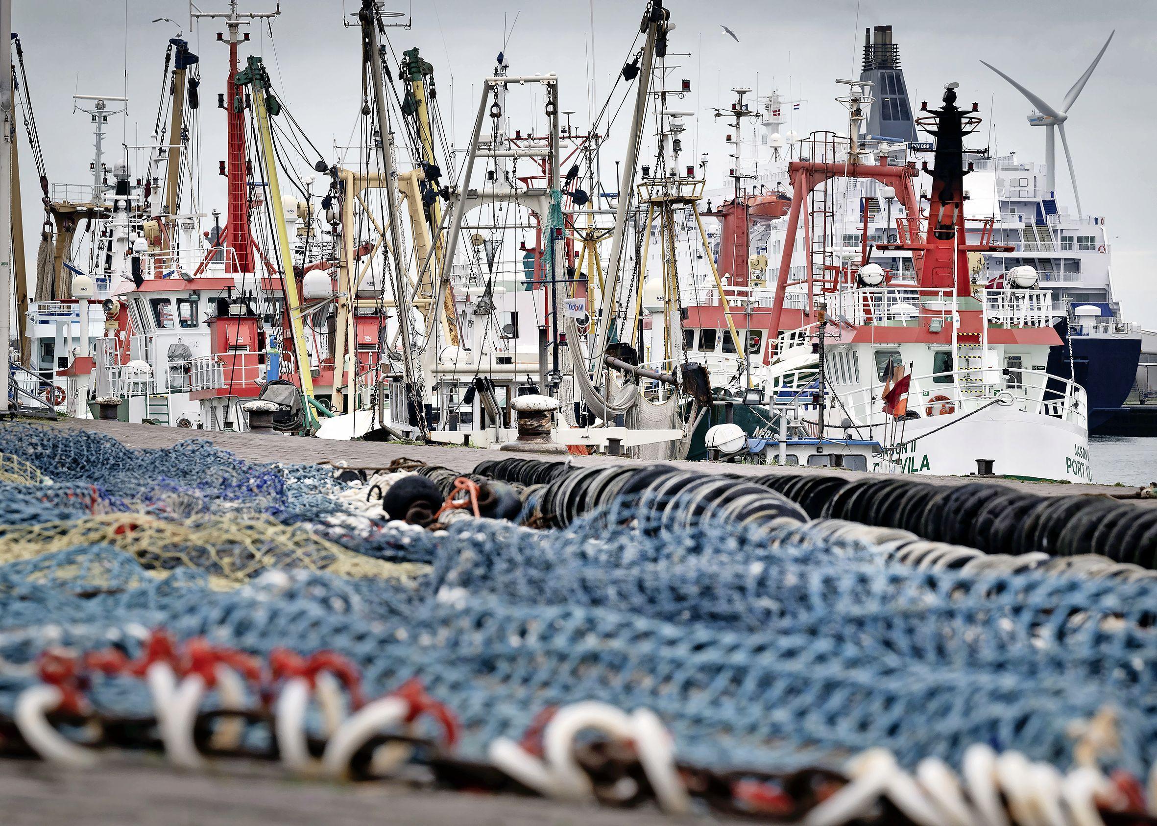 Visserij laat veel netwerk op zee achter, blijkt uit onderzoek. Terwijl vissers er veel aan doen om dat te voorkomen. 'Dit voelt als een schop na krijgen'